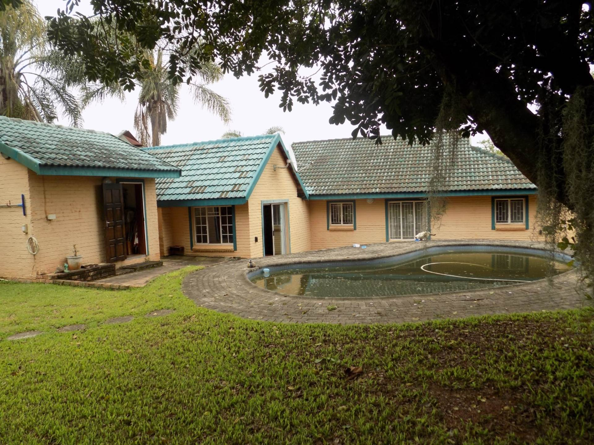 2 BedroomHouse For Sale In Kingsview Ext 2