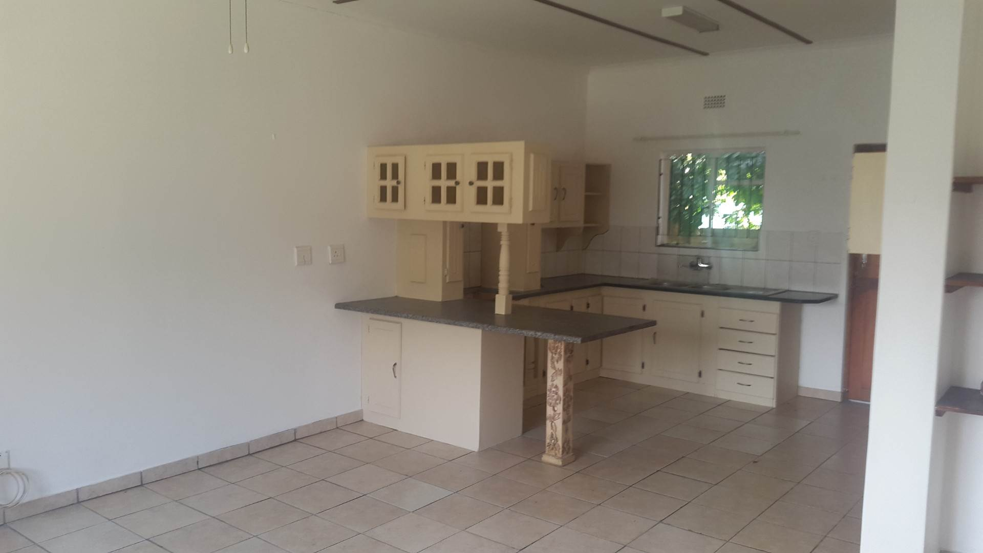 2 BedroomTownhouse For Sale In Birdswood