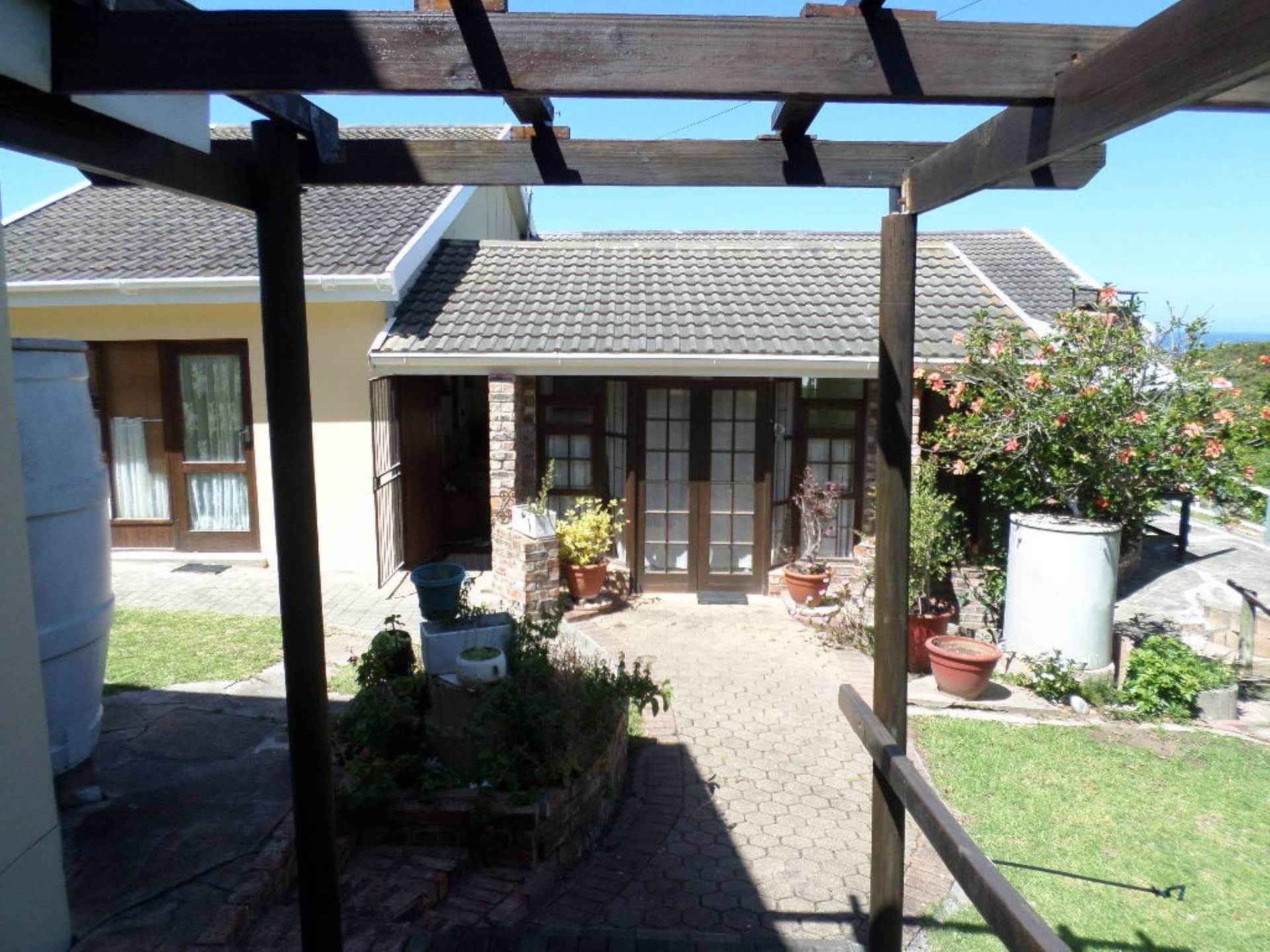 4 bedroom house in glentana