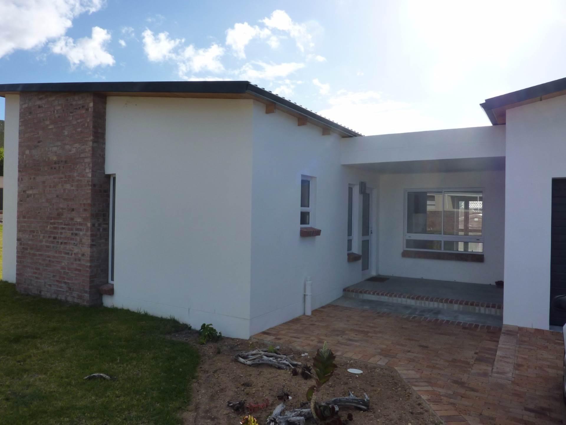 2 BedroomHouse For Sale In Kleinmond