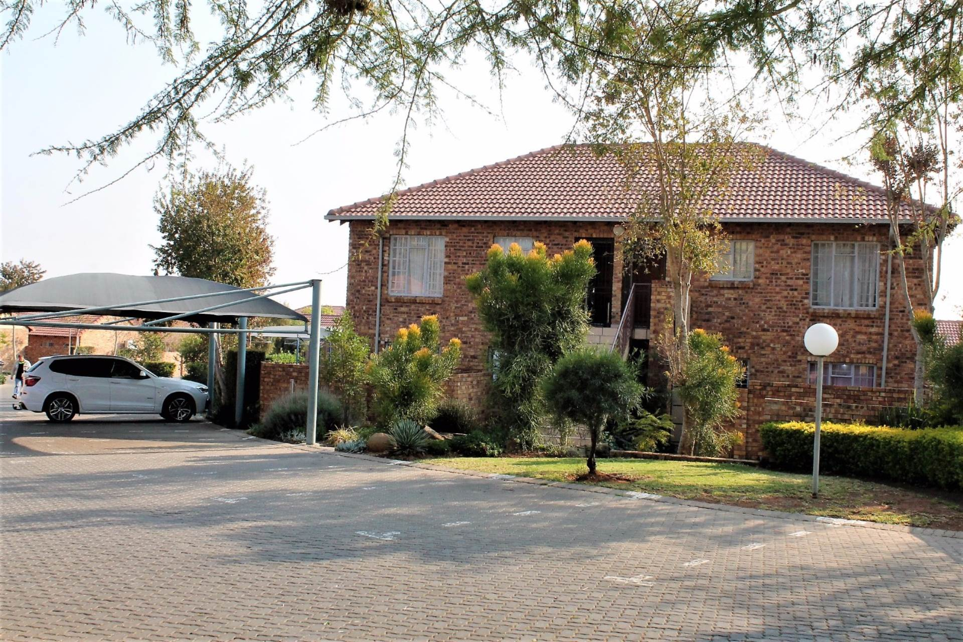 Theresapark property for sale. Ref No: 13540541. Picture no 9