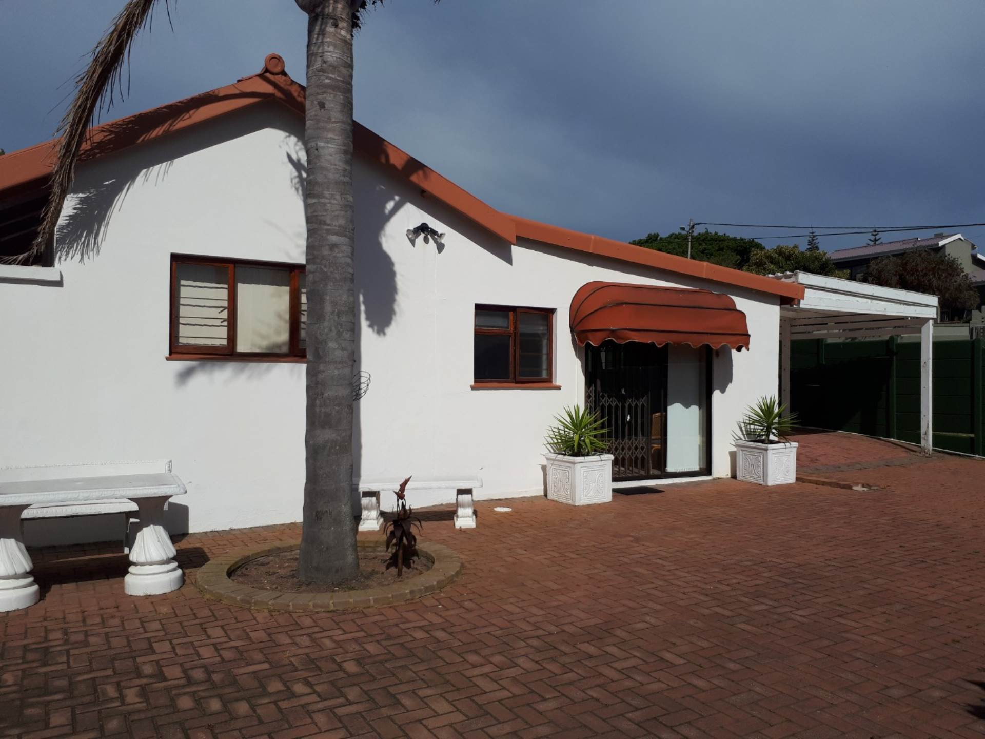 1 BedroomTownhouse To Rent In Mossel Bay Central