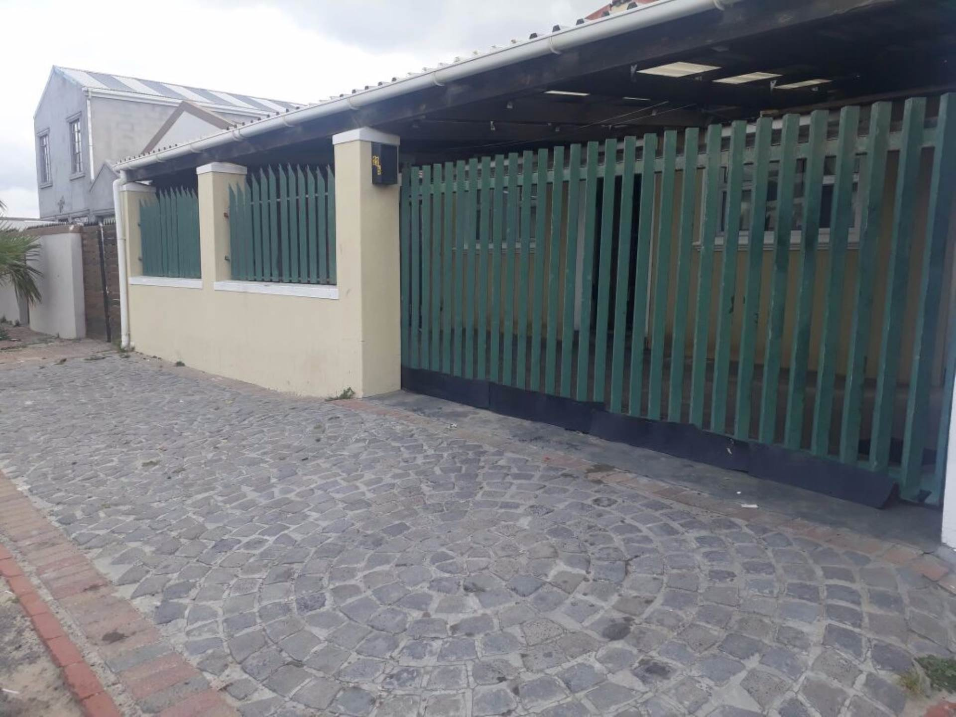 2 BedroomHouse For Sale In Sea Wind