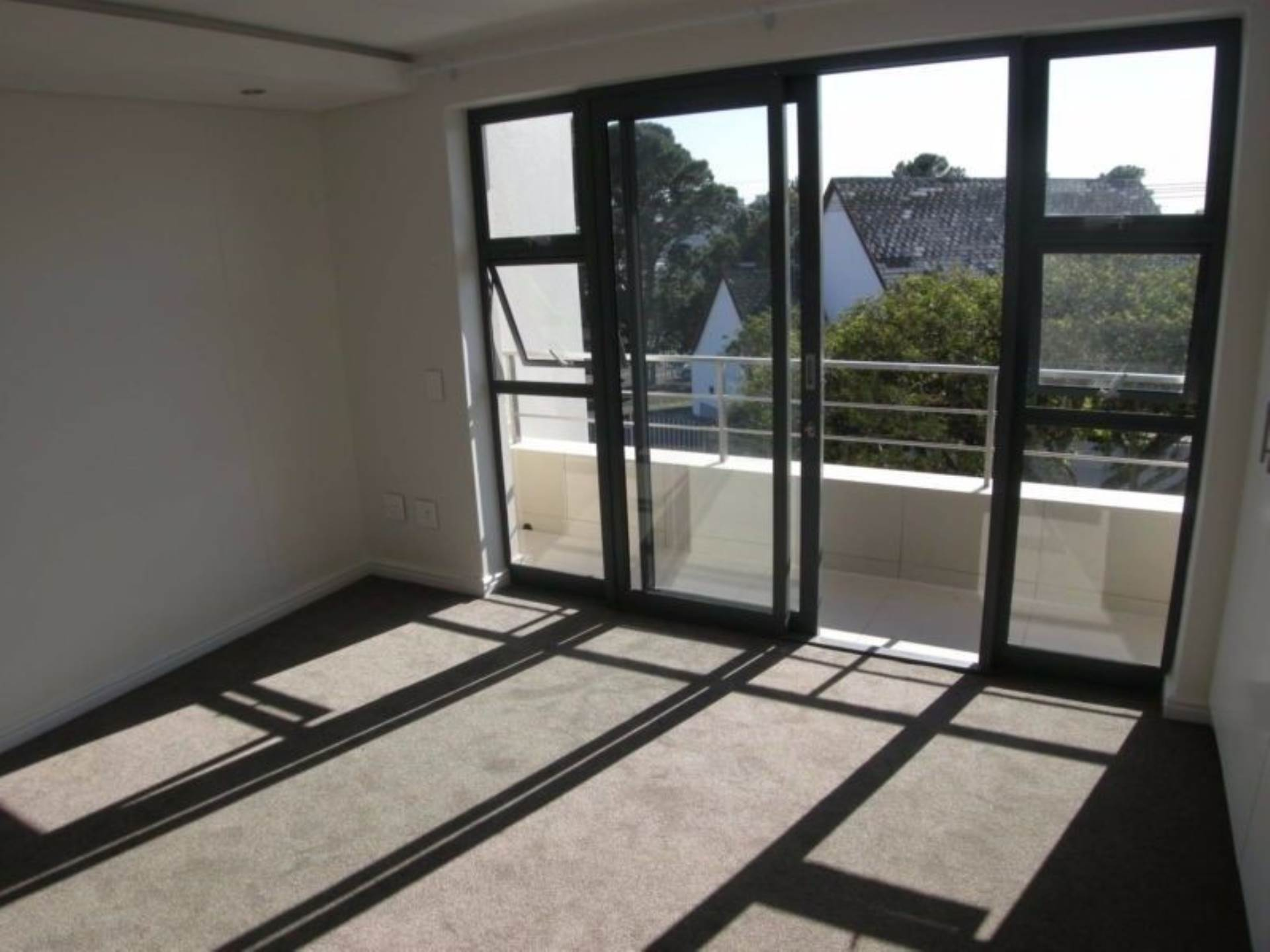 Vredehoek property to rent. Ref No: 13543456. Picture no 11