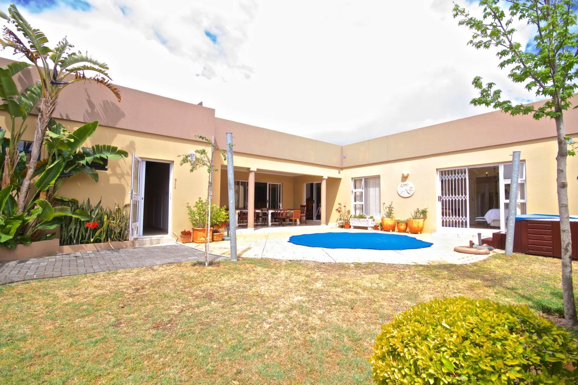 Parklands property for sale. Ref No: 13543579. Picture no 1