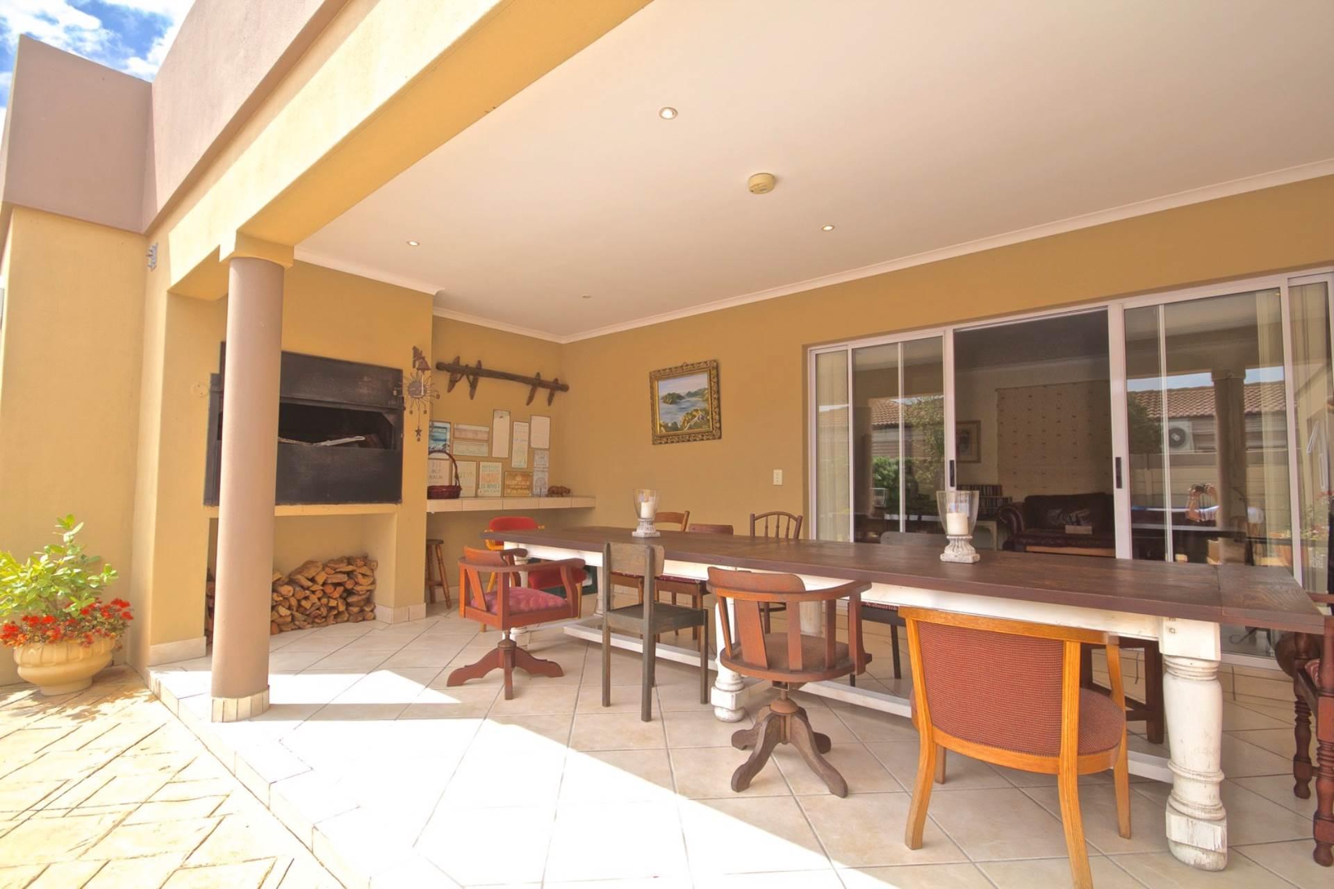 Parklands property for sale. Ref No: 13543579. Picture no 18