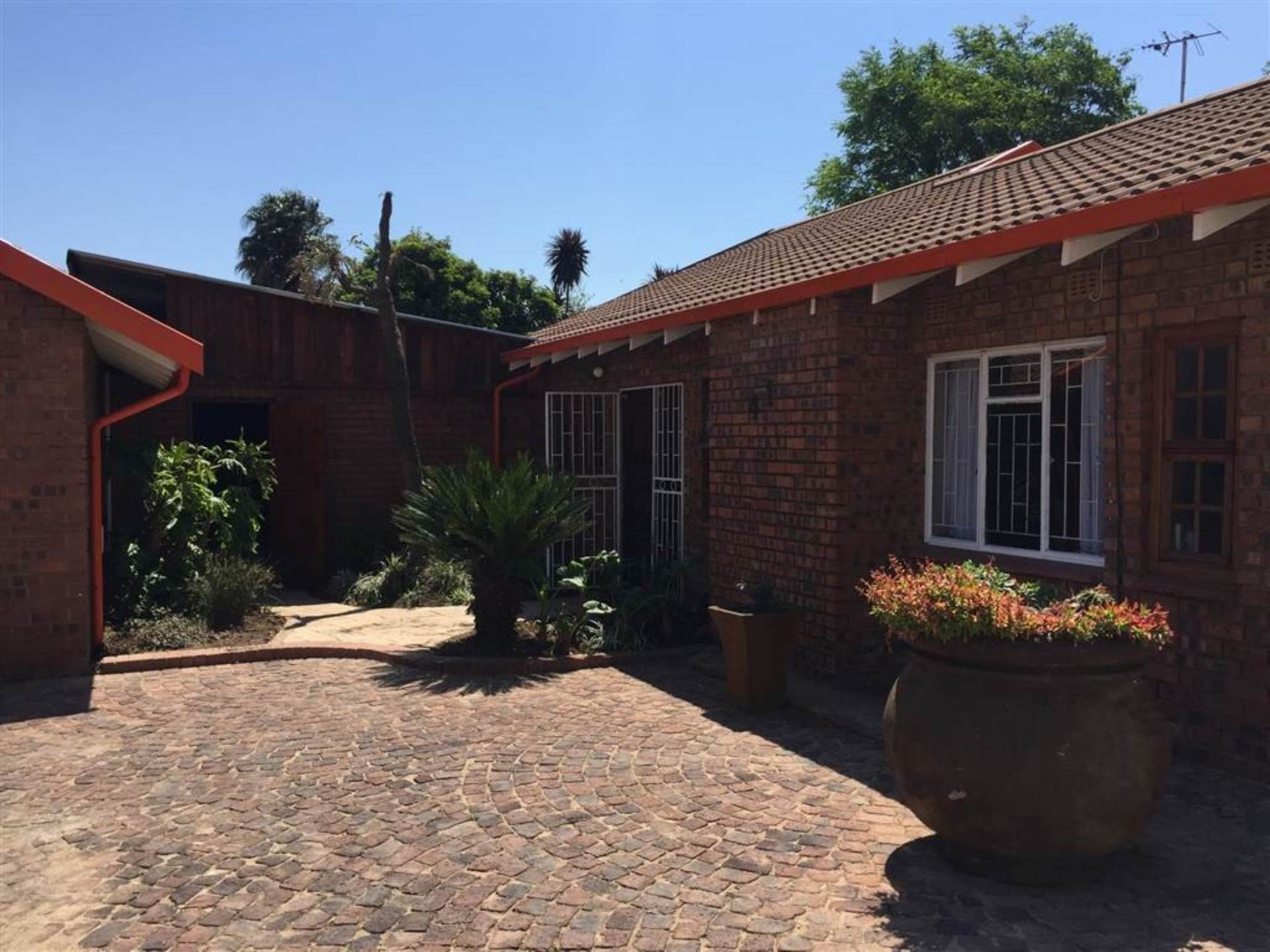 3 BedroomHouse To Rent In Impala Park