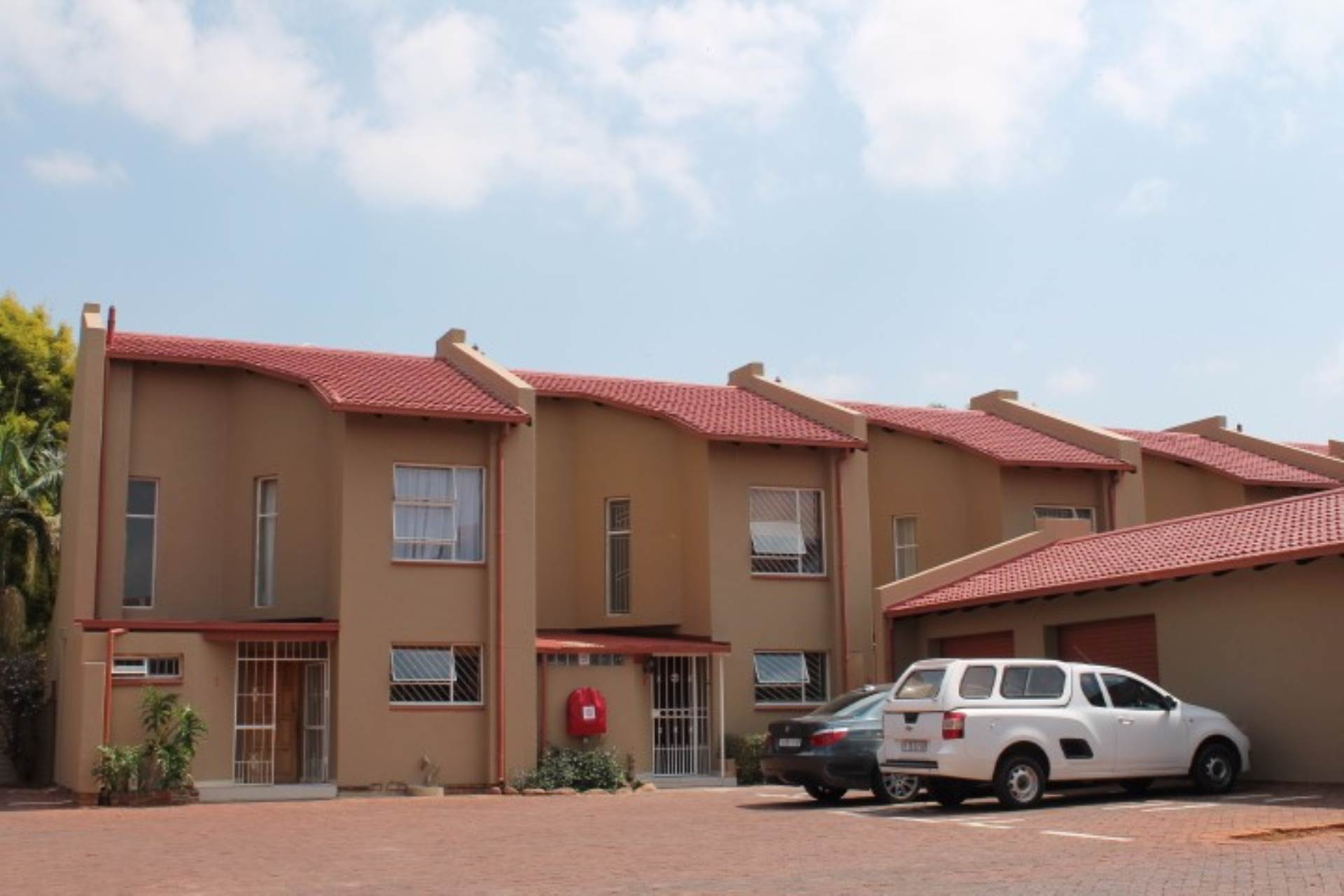 Property and Houses for sale in Gauteng - Page 1631, Townhouse, 2 Bedrooms - ZAR 595,000