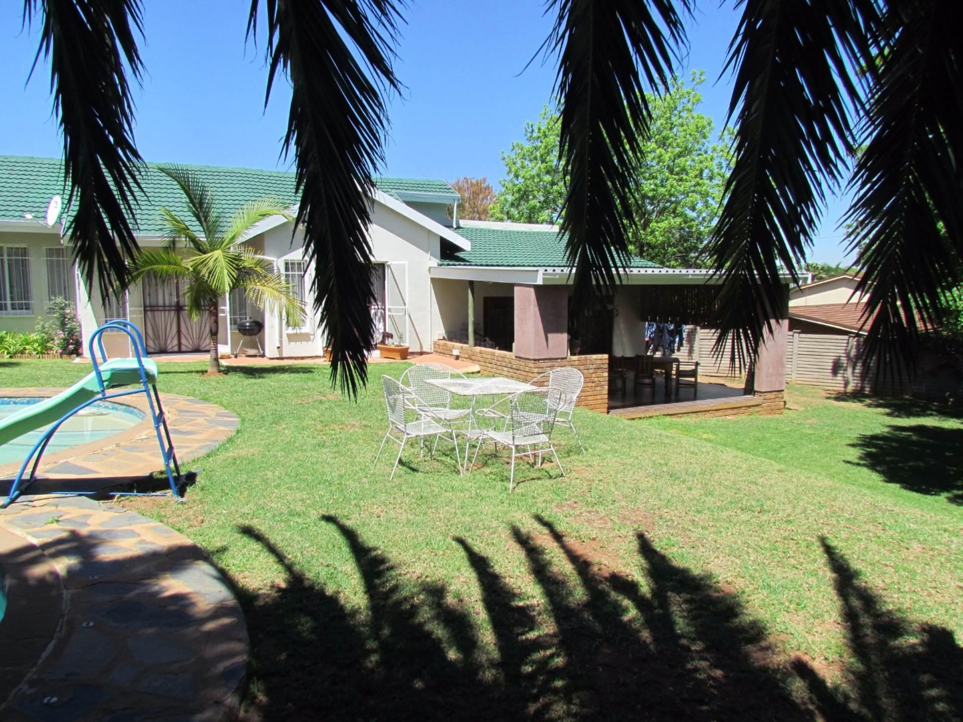 Elarduspark property for sale. Ref No: 13544106. Picture no 50
