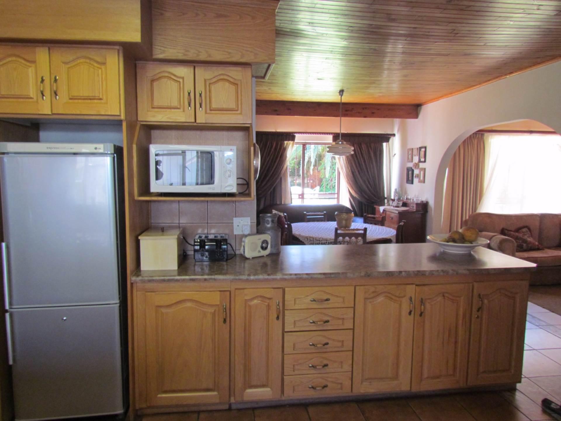 Elarduspark property for sale. Ref No: 13544106. Picture no 4