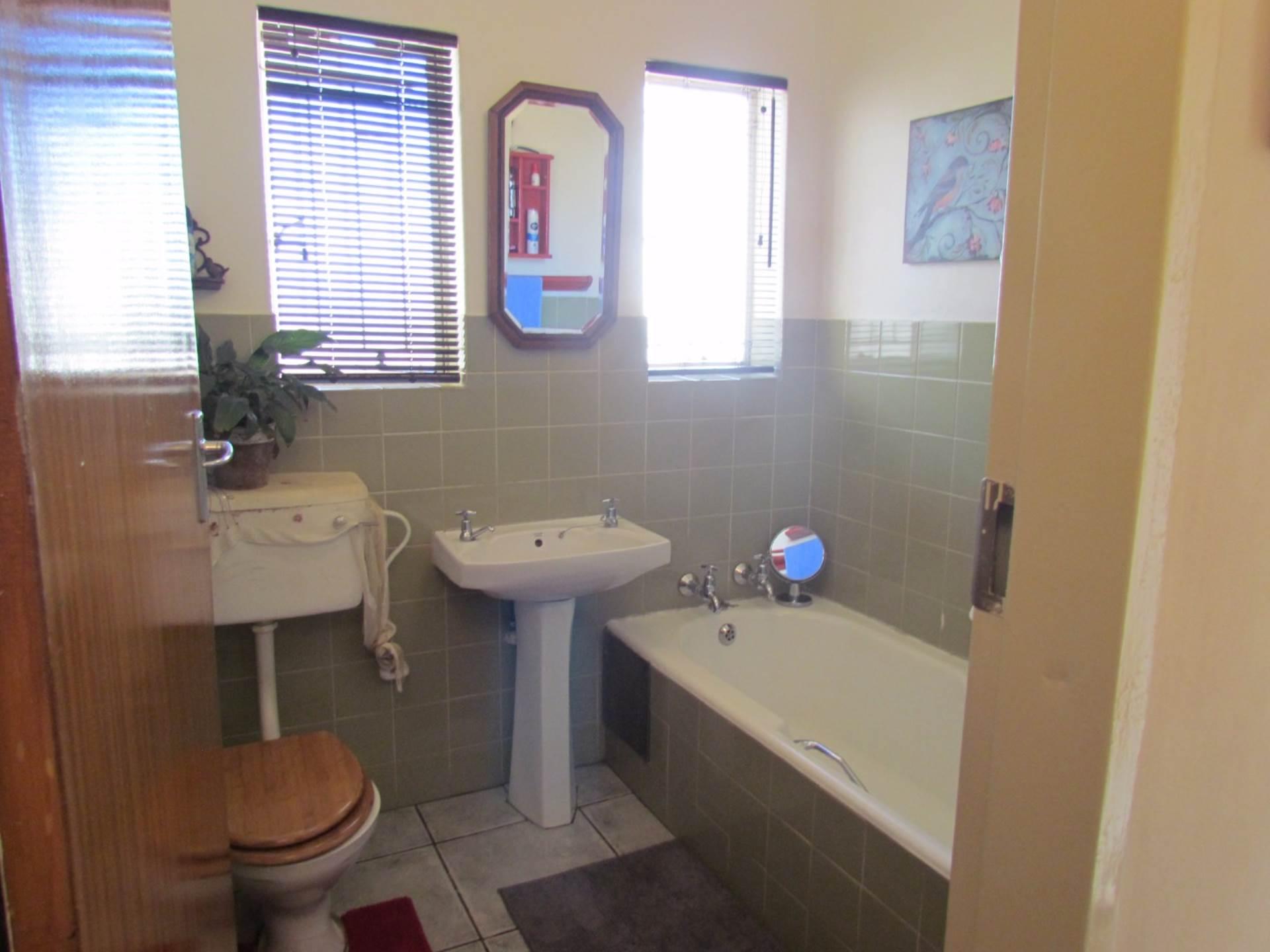Elarduspark property for sale. Ref No: 13544106. Picture no 15