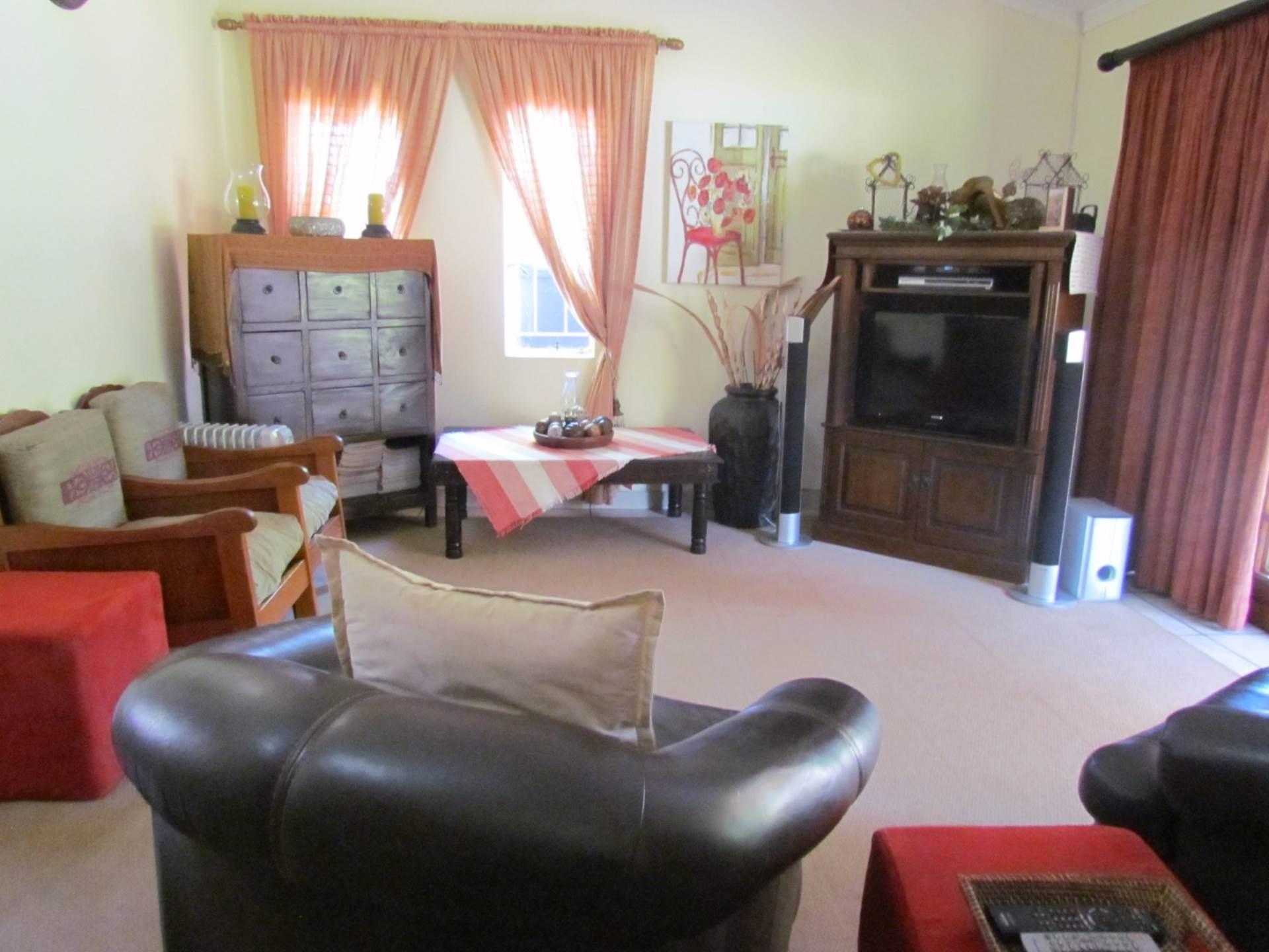 Elarduspark property for sale. Ref No: 13544106. Picture no 37