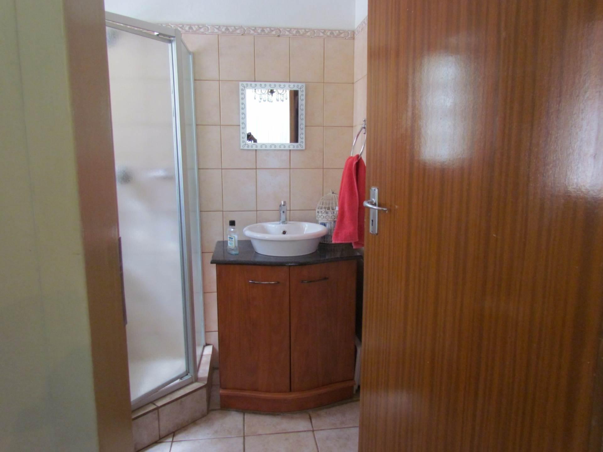 Elarduspark property for sale. Ref No: 13544106. Picture no 7