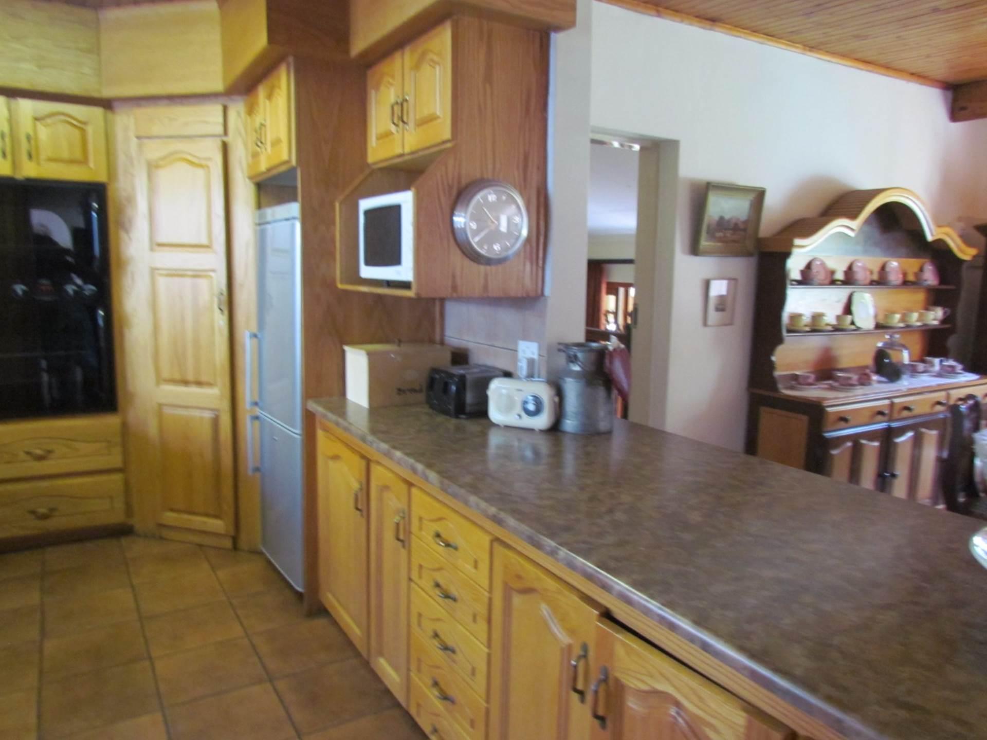 Elarduspark property for sale. Ref No: 13544106. Picture no 26