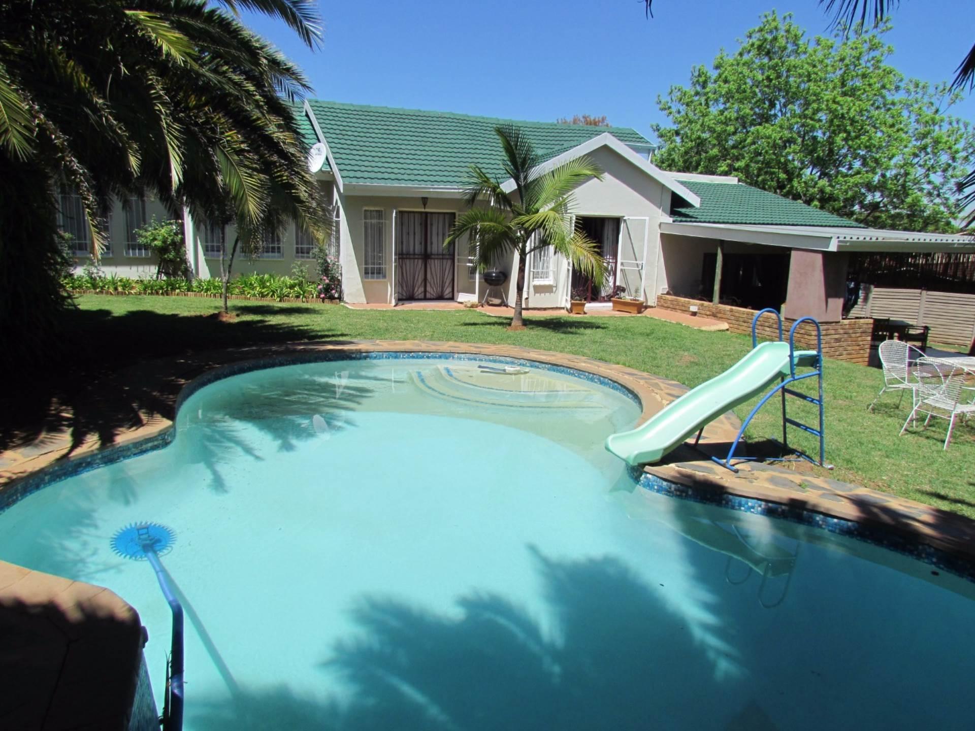 Elarduspark property for sale. Ref No: 13544106. Picture no 48