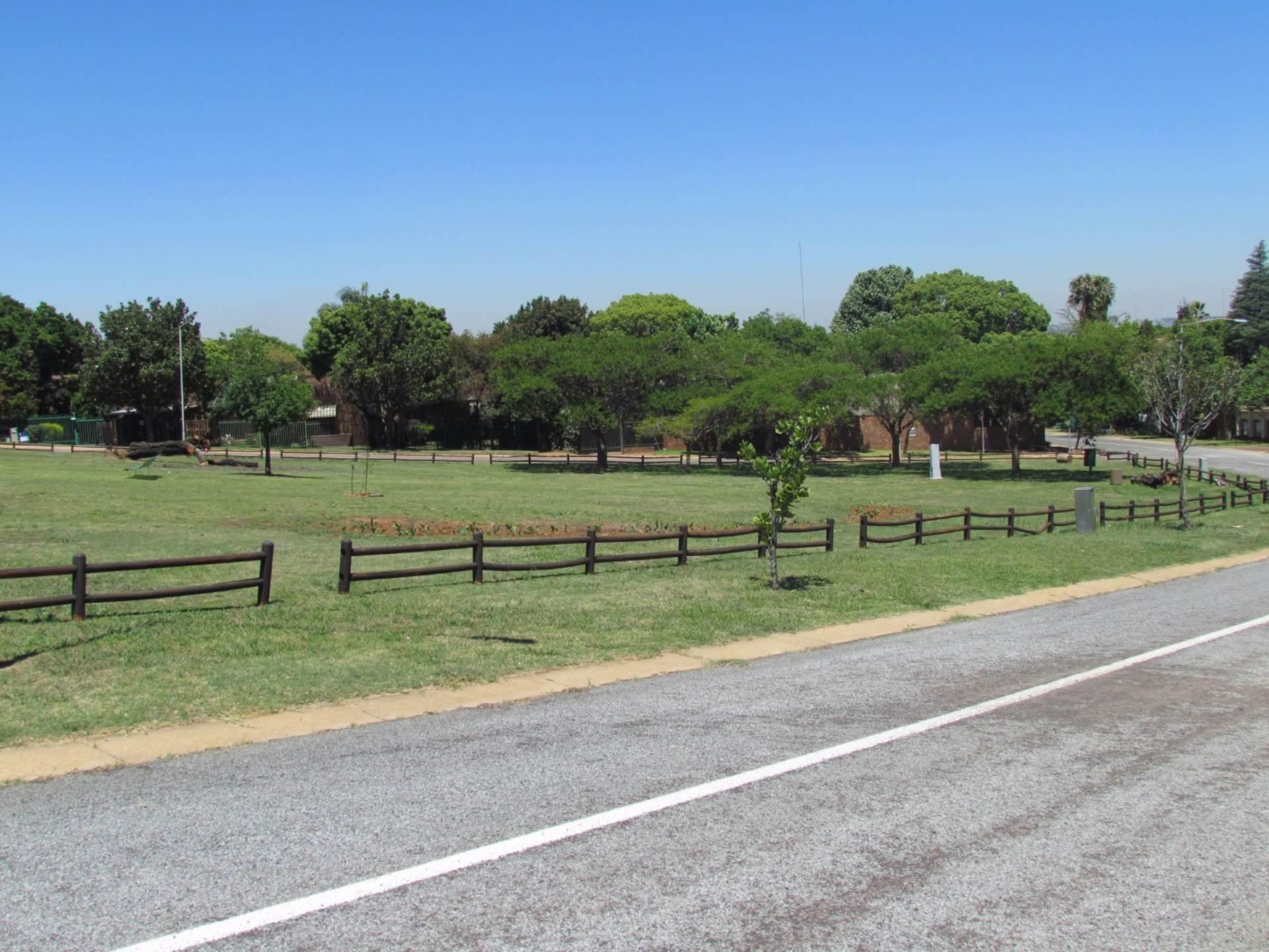 Elarduspark property for sale. Ref No: 13544106. Picture no 61
