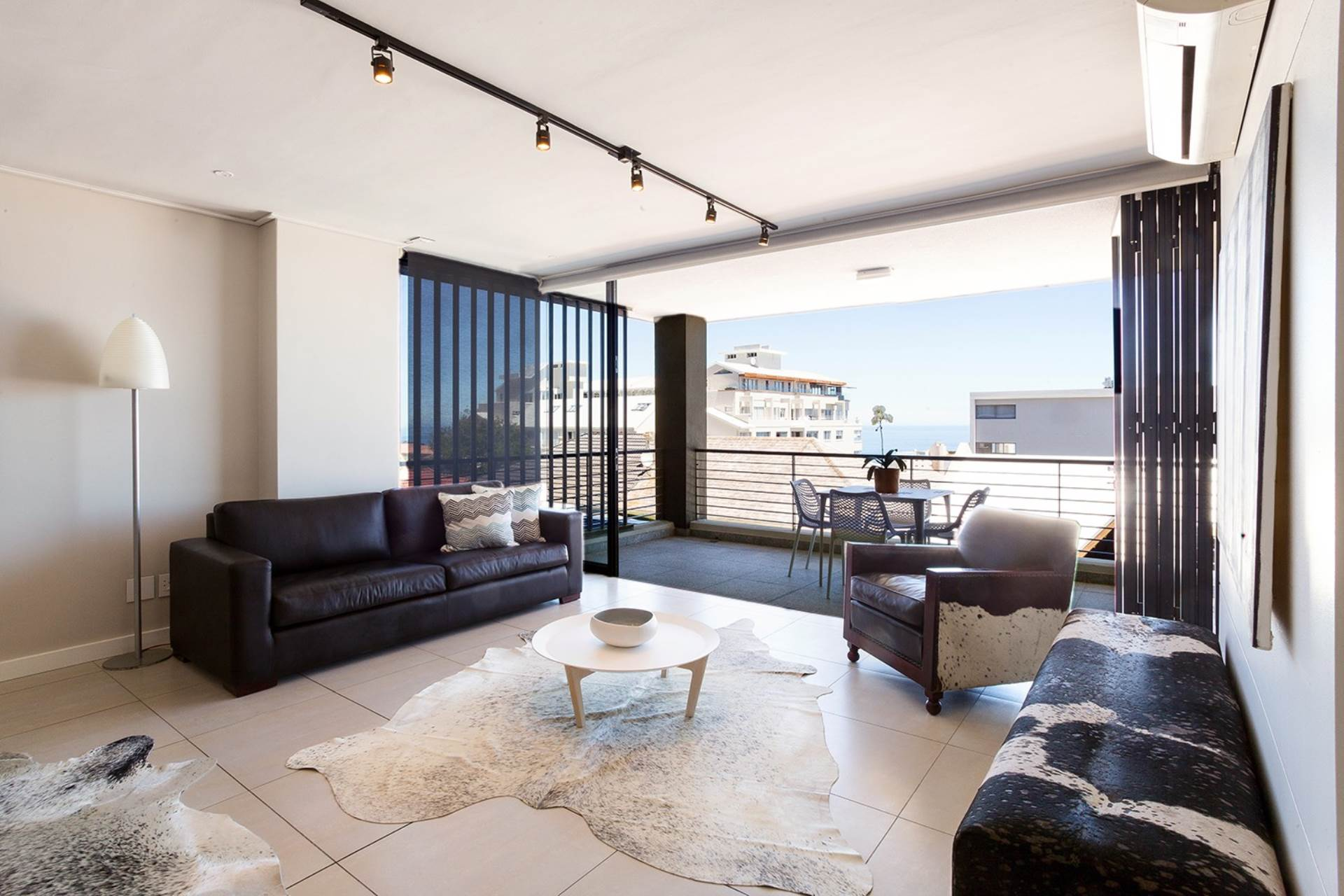 Bantry Bay property for sale. Ref No: 13540356. Picture no 5