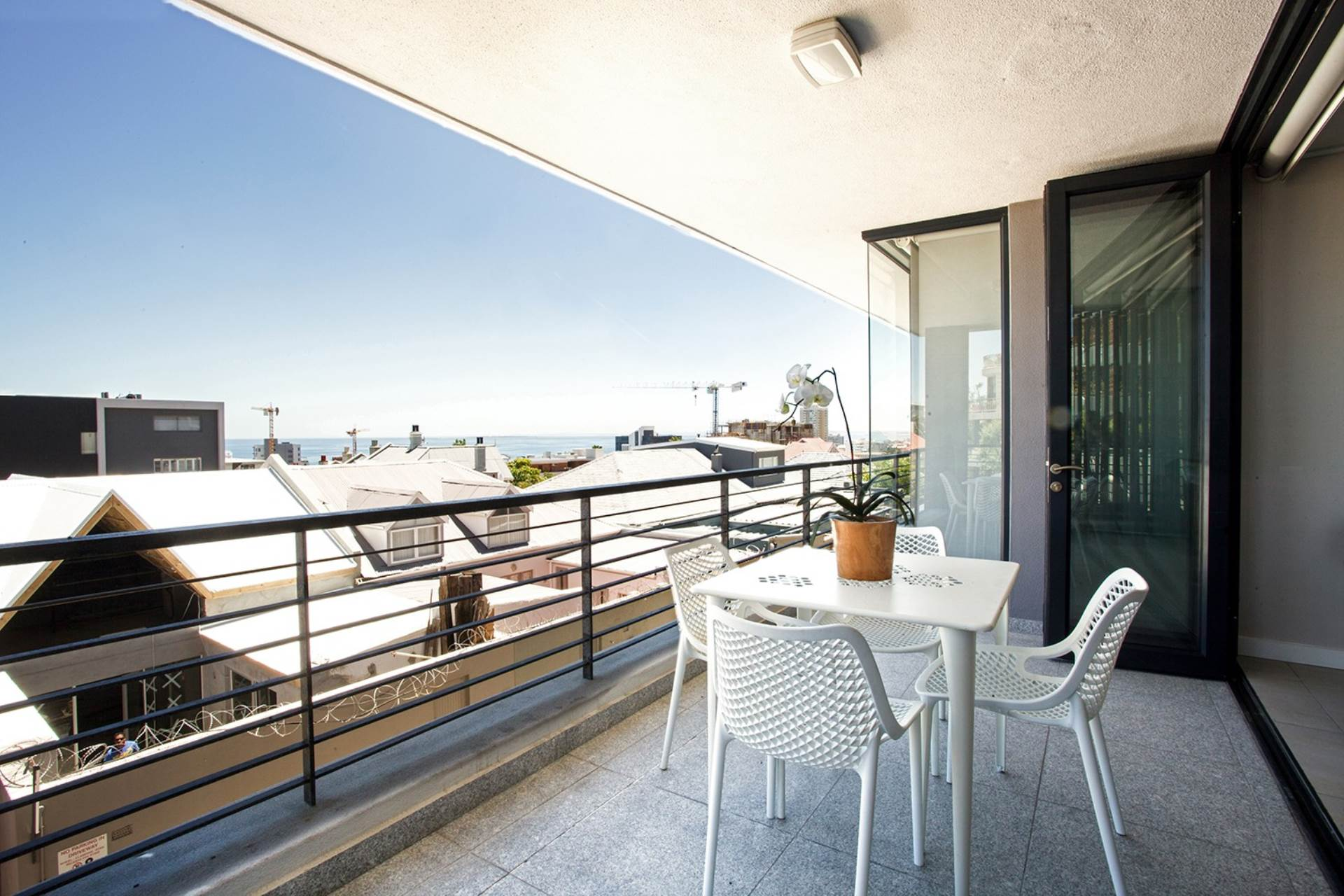 Bantry Bay property for sale. Ref No: 13540356. Picture no 16