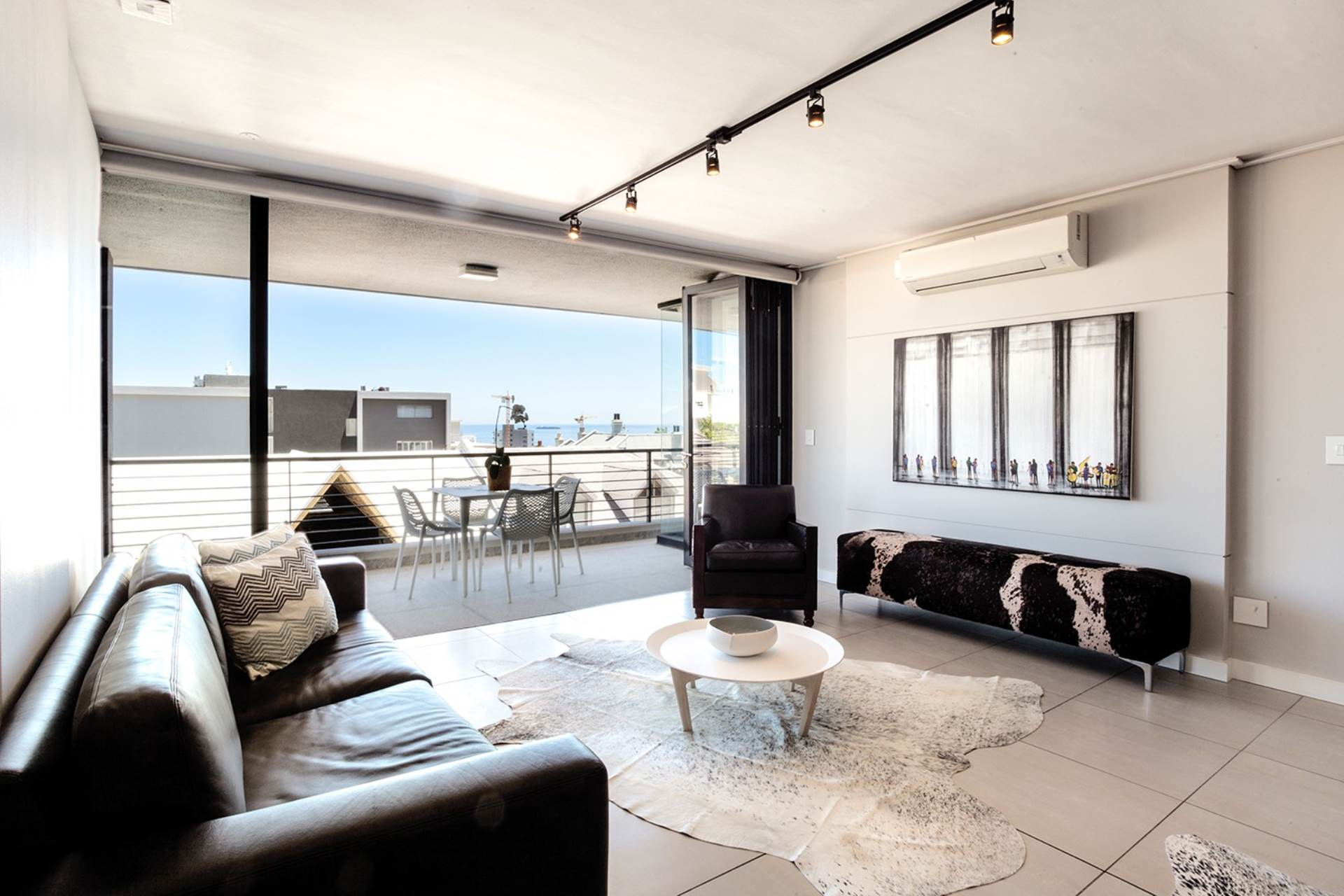 Bantry Bay property for sale. Ref No: 13540356. Picture no 9