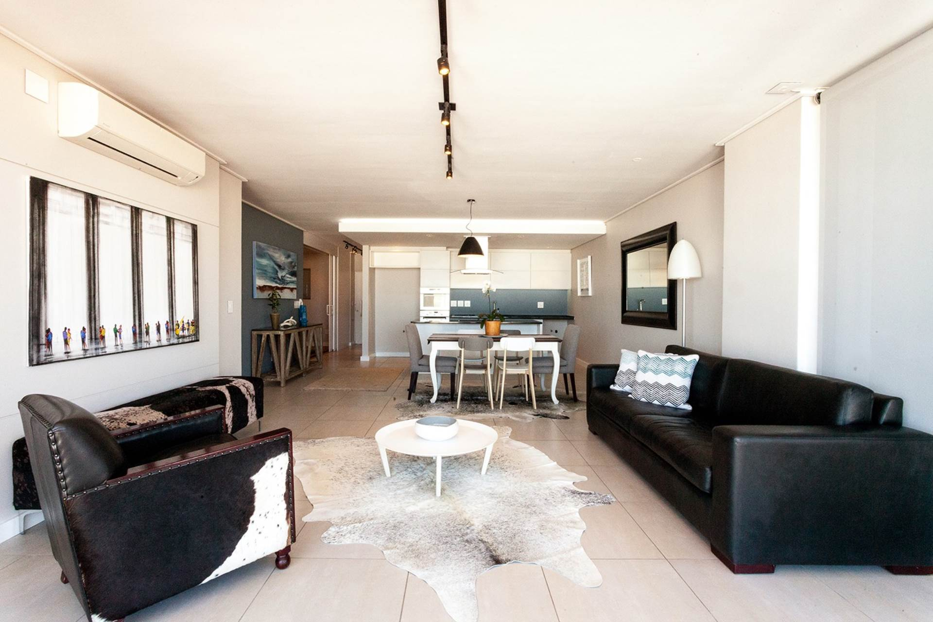 Bantry Bay property for sale. Ref No: 13540356. Picture no 3