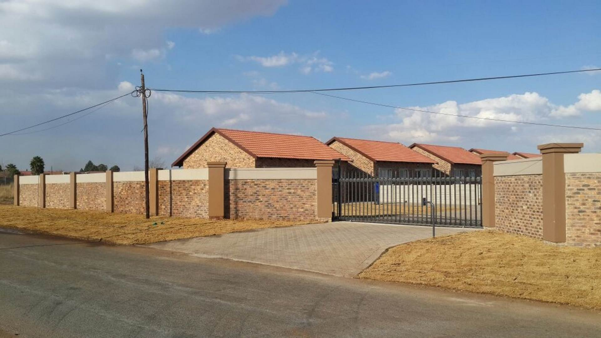 2 BedroomTownhouse To Rent In Riversdale