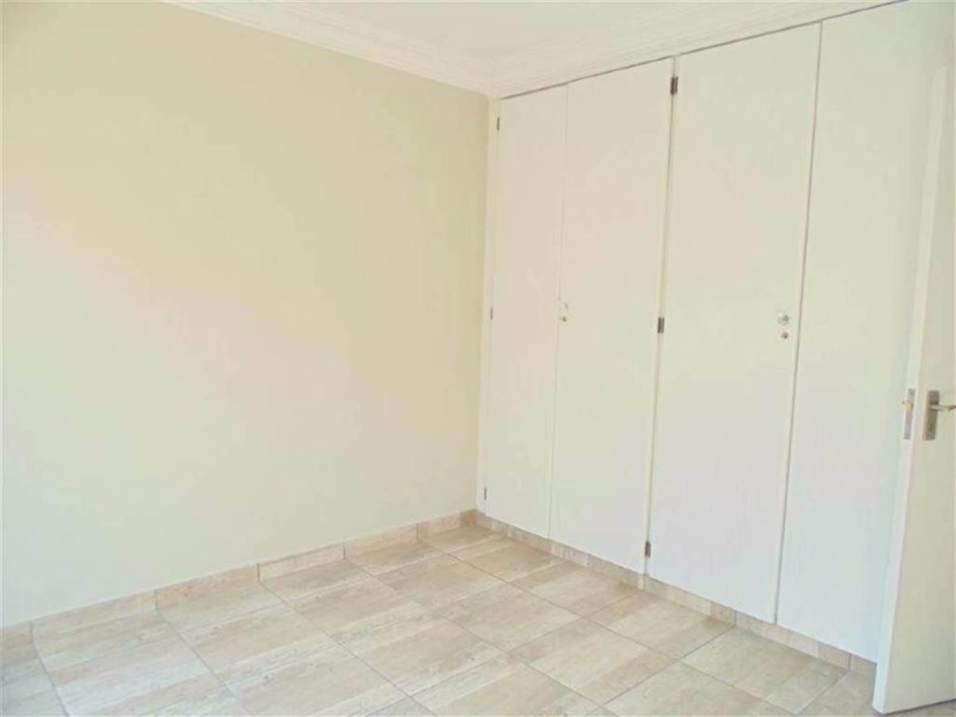 Rooihuiskraal North property for sale. Ref No: 13544340. Picture no 8