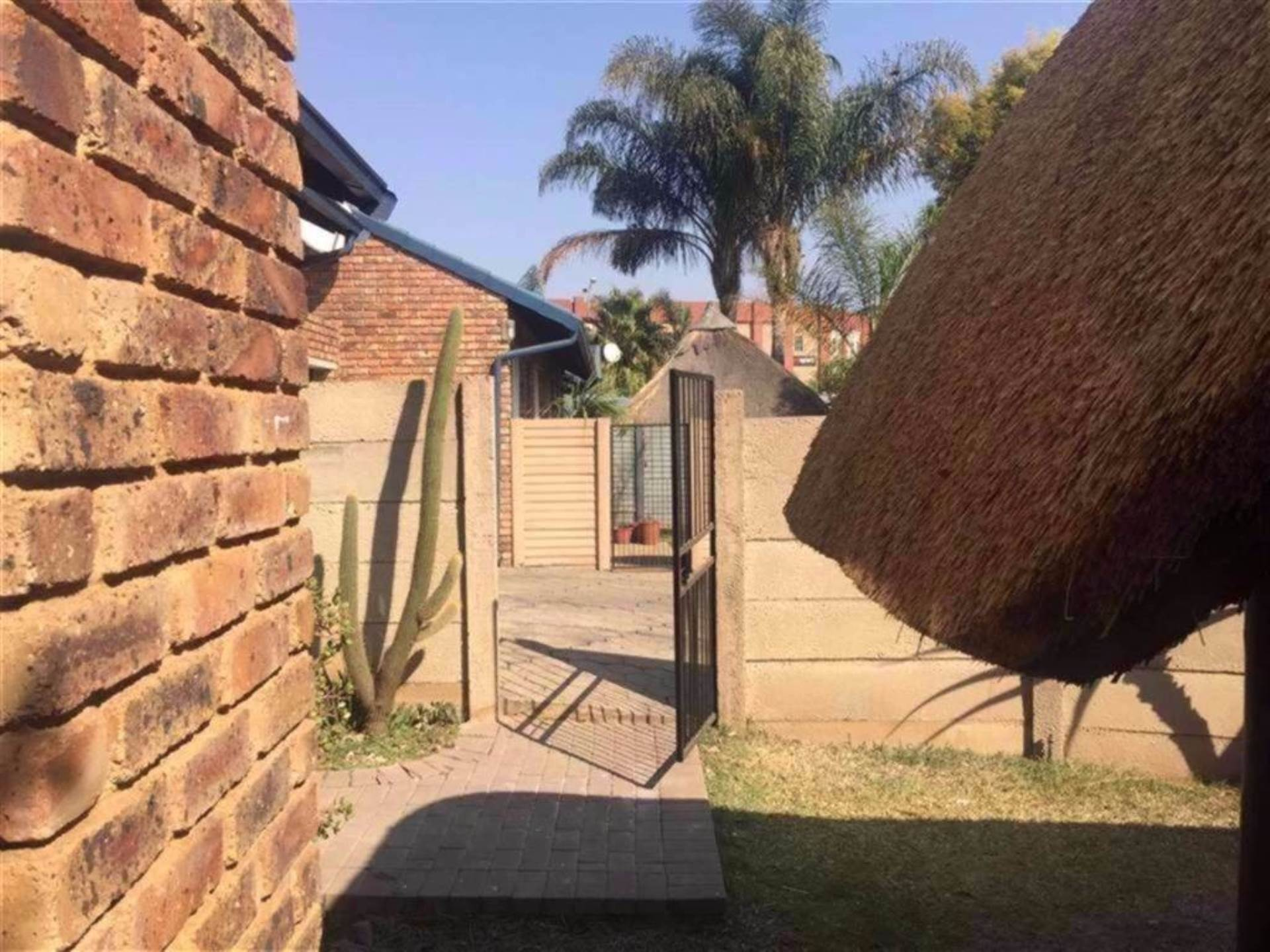 Rooihuiskraal North property for sale. Ref No: 13544340. Picture no 15