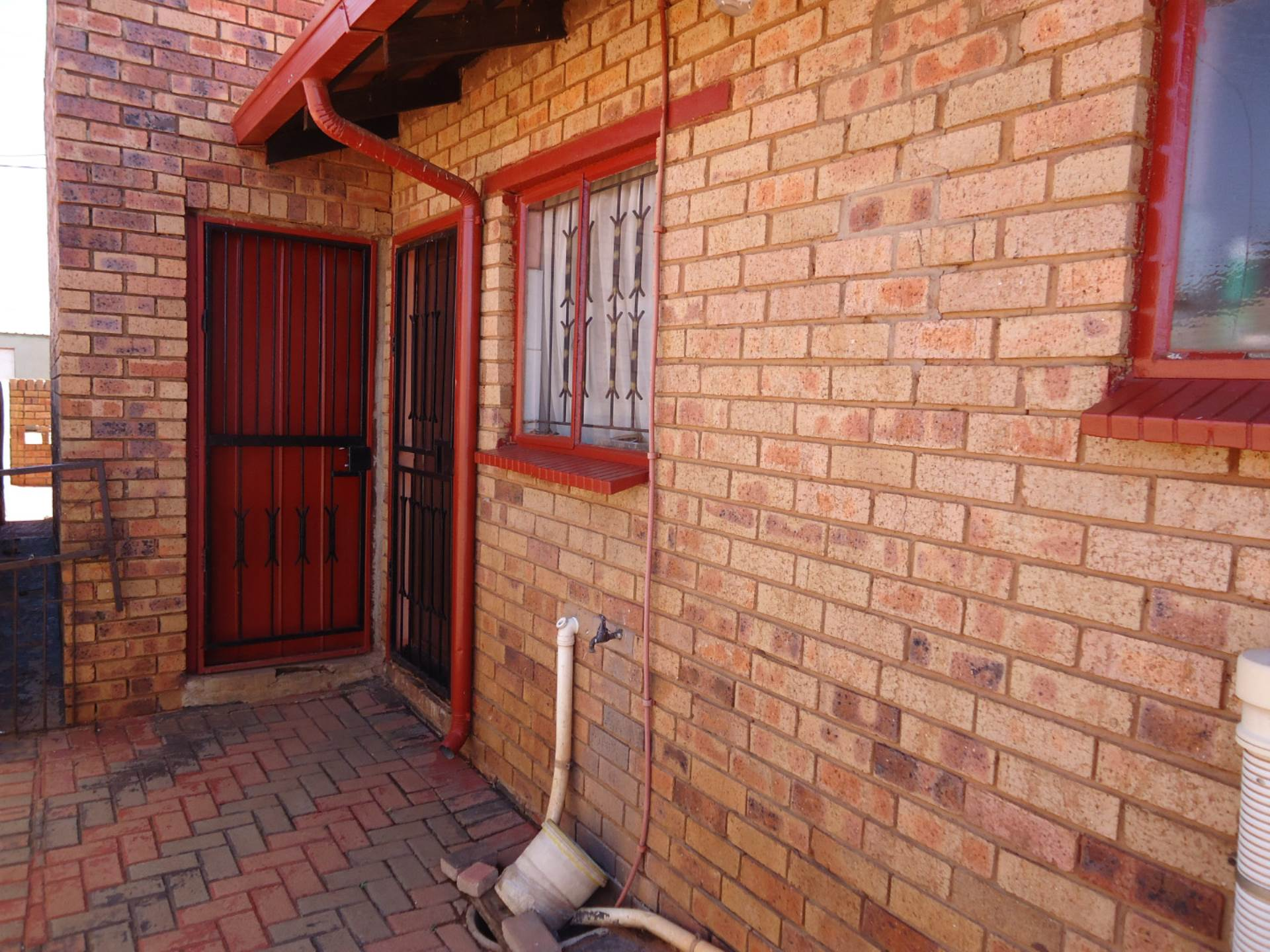 2 BedroomHouse For Sale In Tamboville