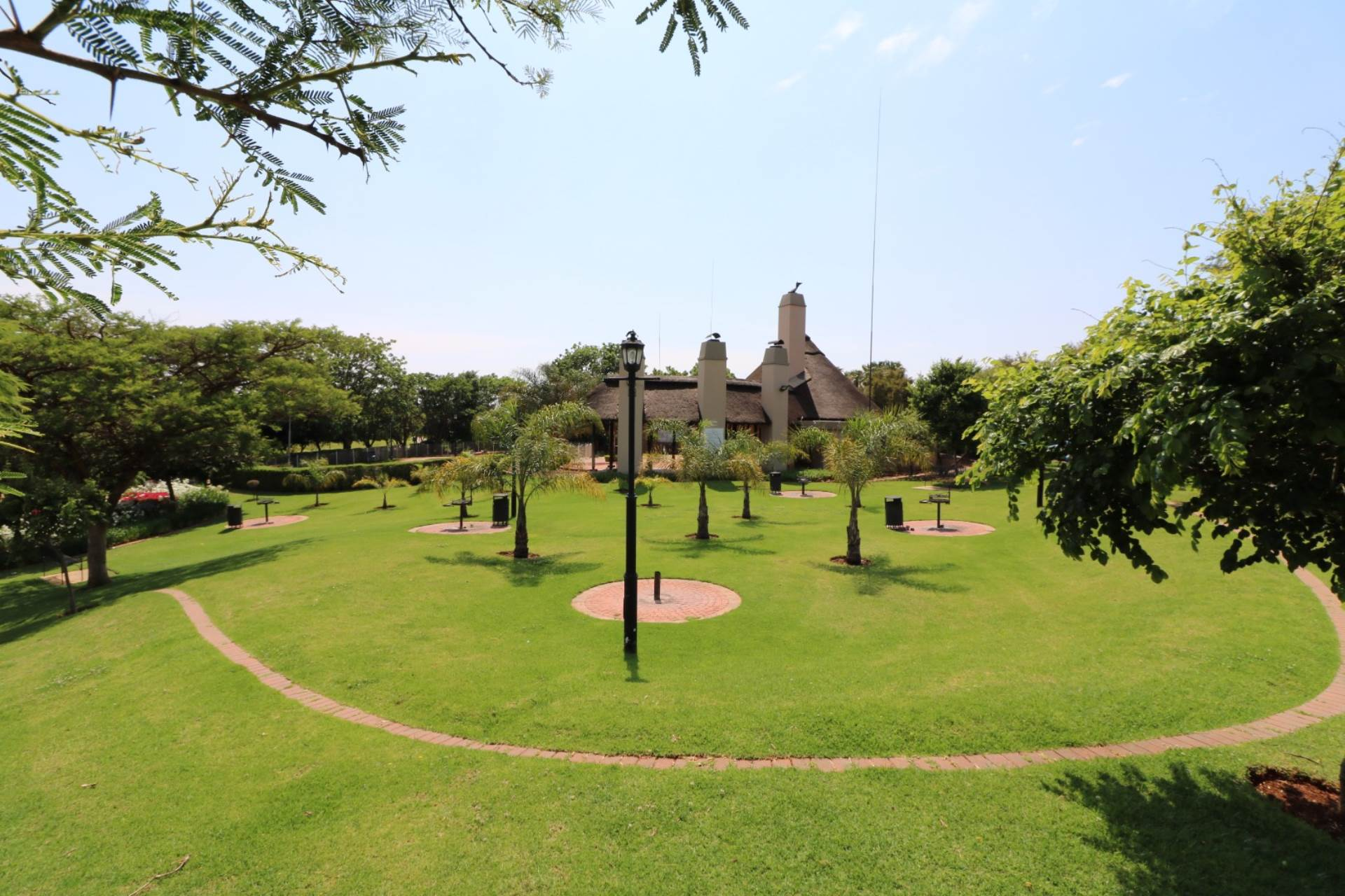 Mooikloof Ridge property for sale. Ref No: 13545626. Picture no 14