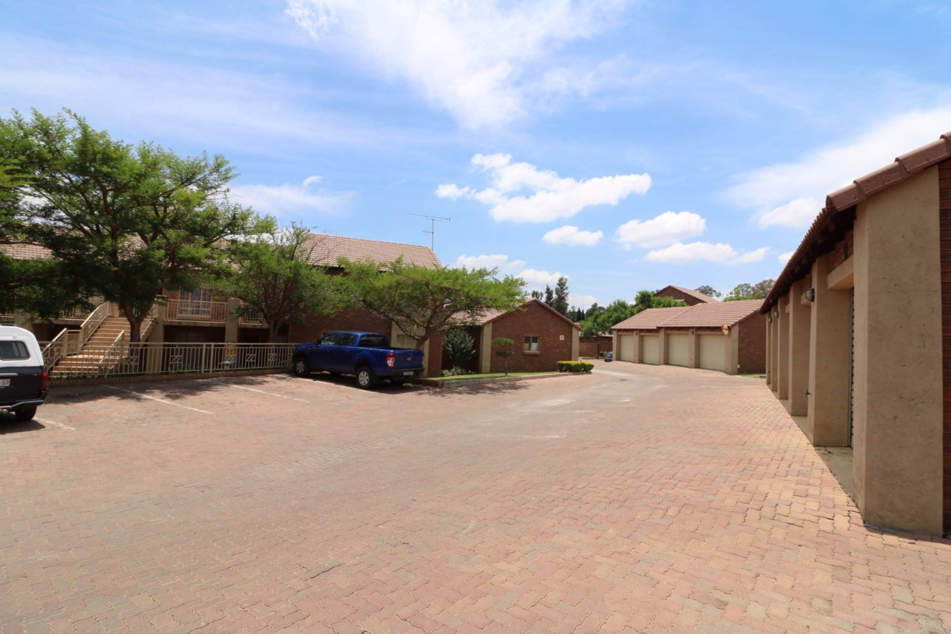 Mooikloof Ridge property for sale. Ref No: 13545626. Picture no 5