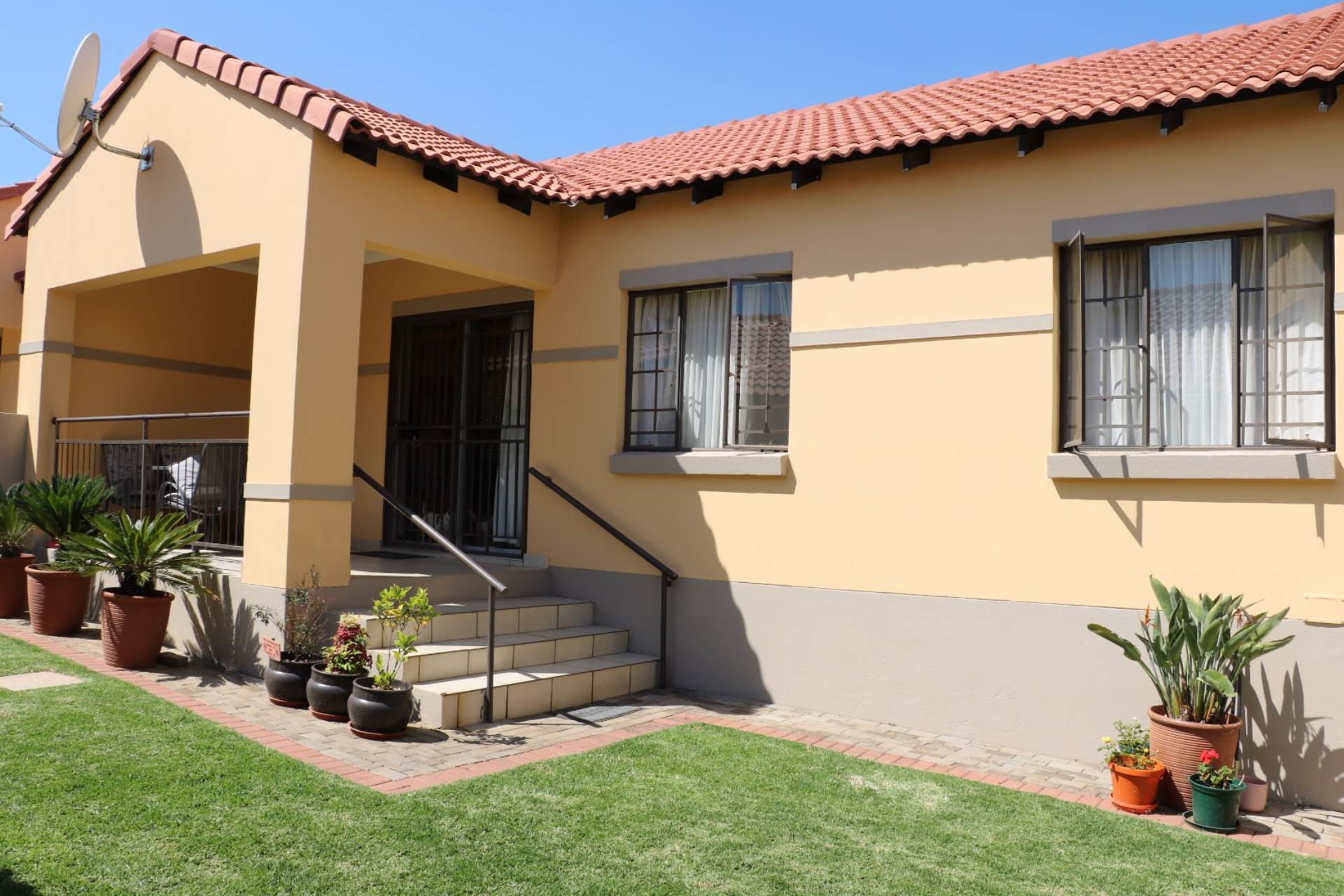 Mooikloof Ridge property for sale. Ref No: 13541189. Picture no 12