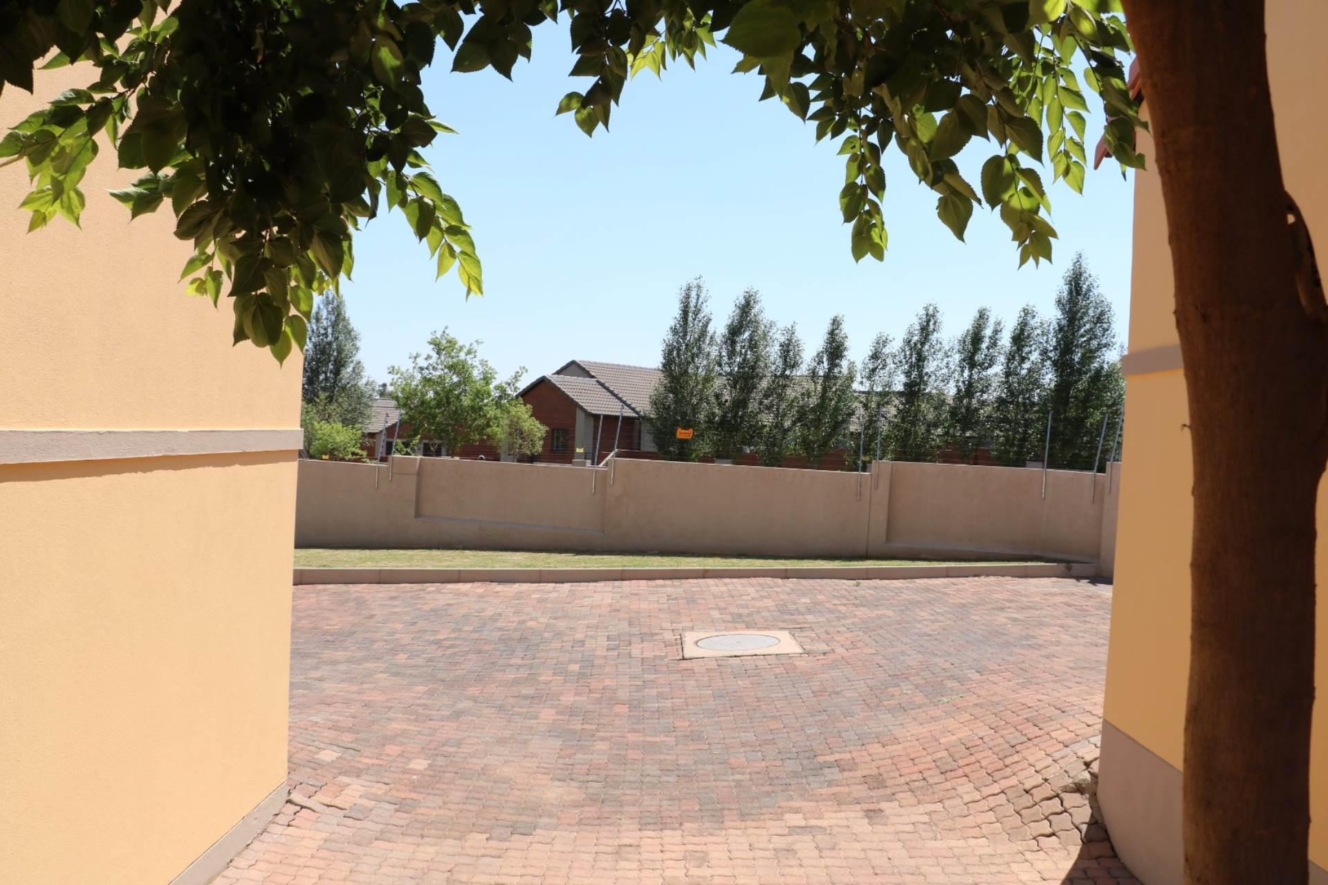 Mooikloof Ridge property for sale. Ref No: 13541189. Picture no 14