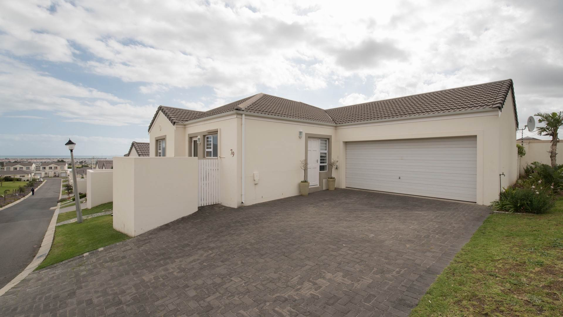 3 BedroomHouse For Sale In Somerset West