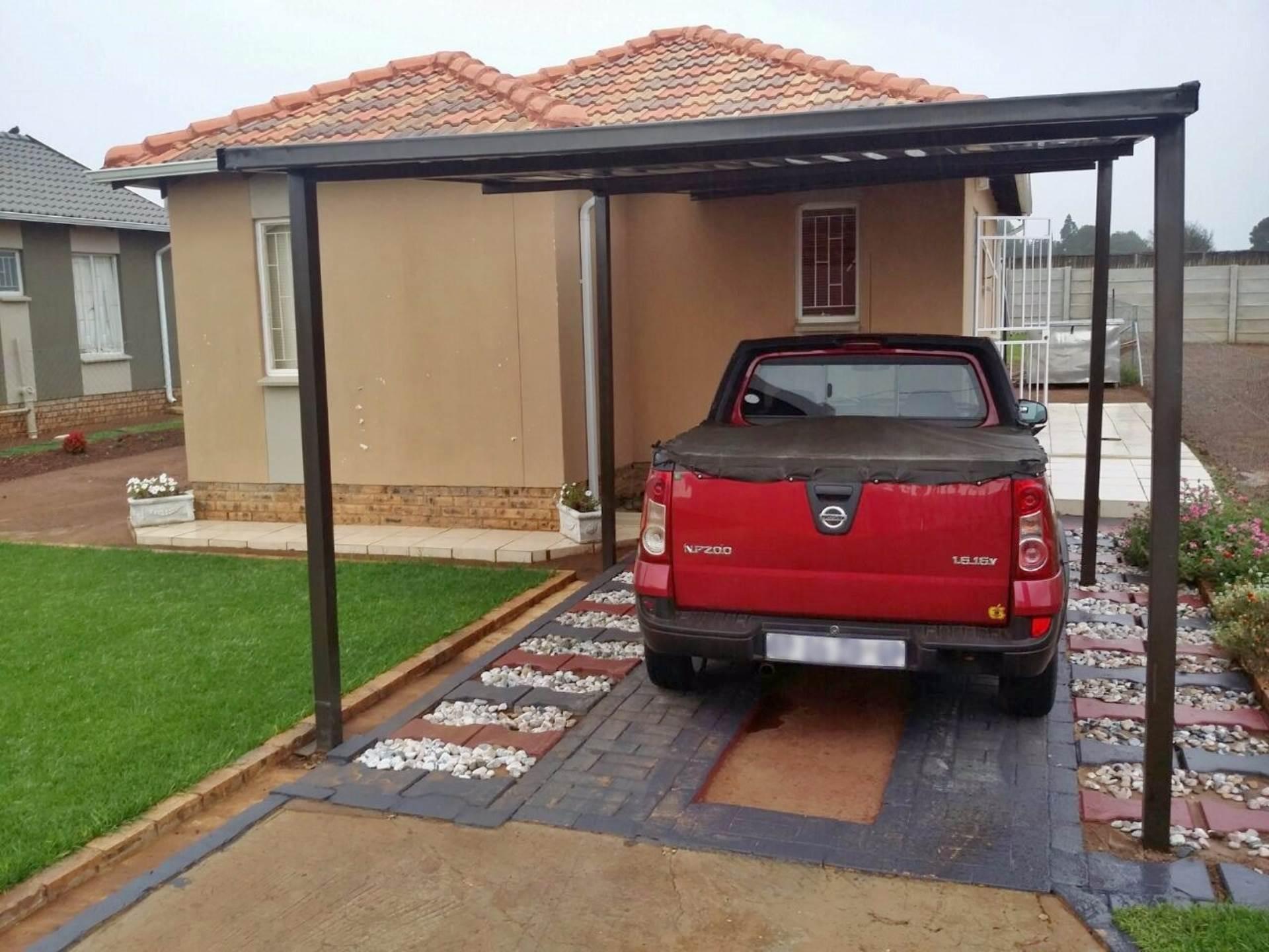 3 BedroomHouse For Sale In Savanna City