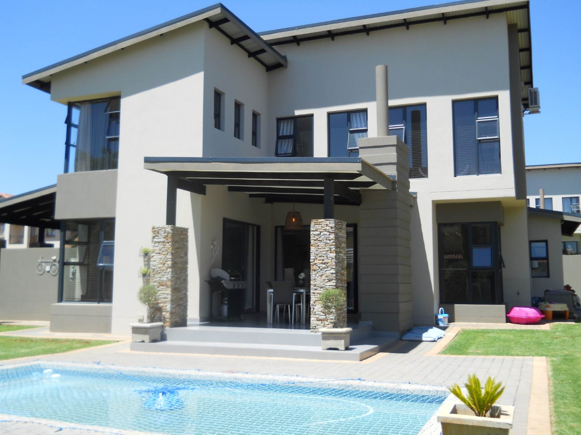 Property and Houses for sale in Six Fountains Residential Estate, House, 3 Bedrooms - ZAR 3,290,000
