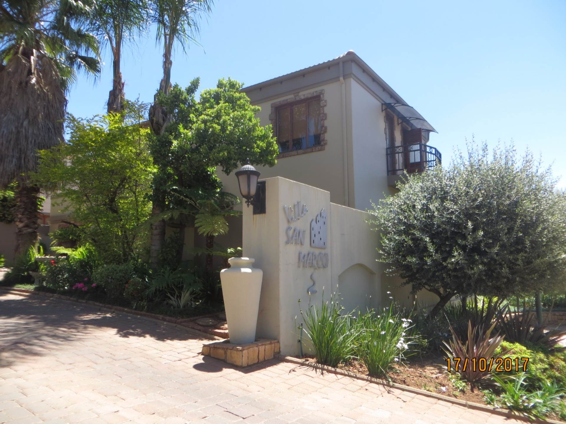 3 BedroomCluster For Sale In Centurion Golf Estate