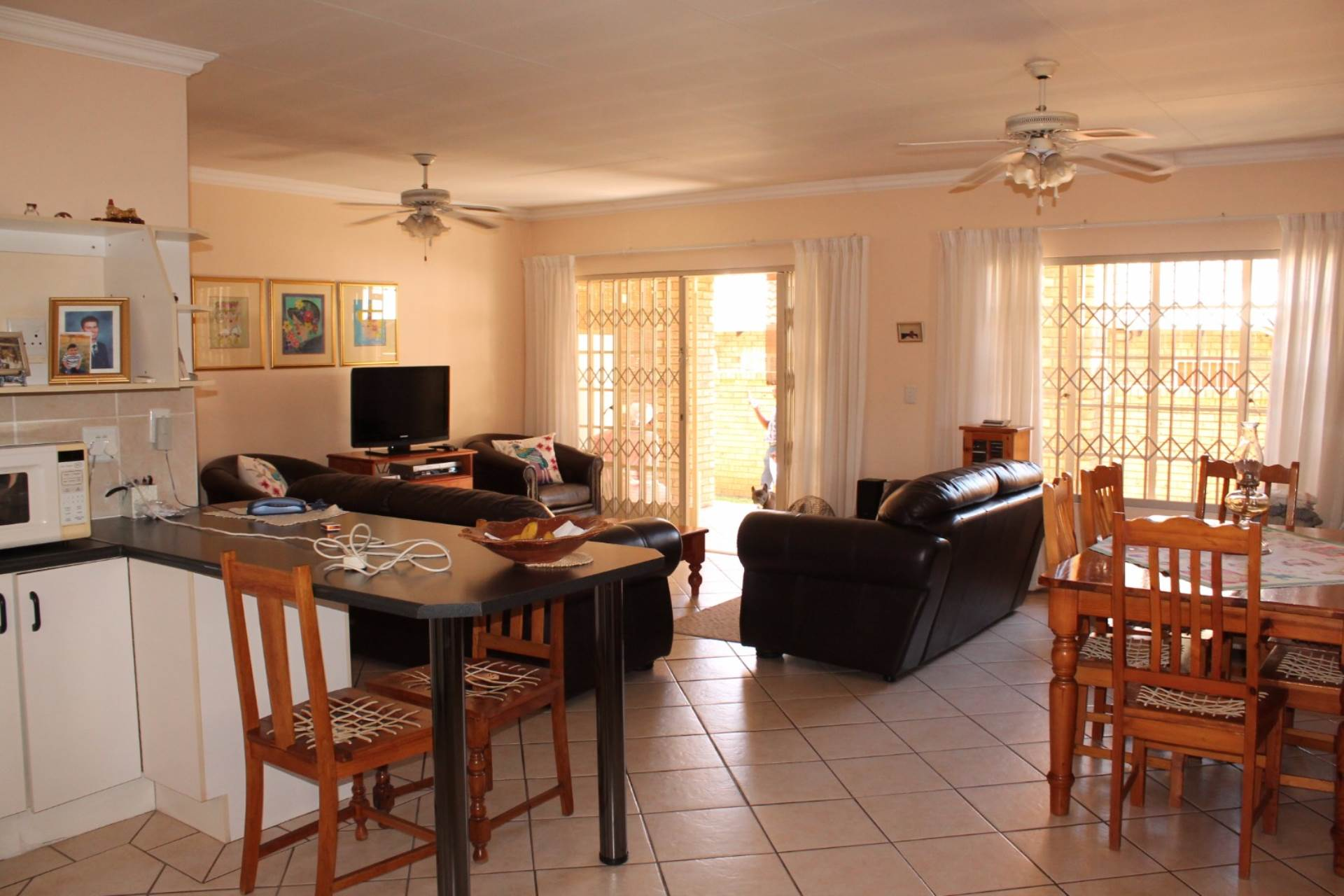 Theresapark property for sale. Ref No: 13546632. Picture no 5