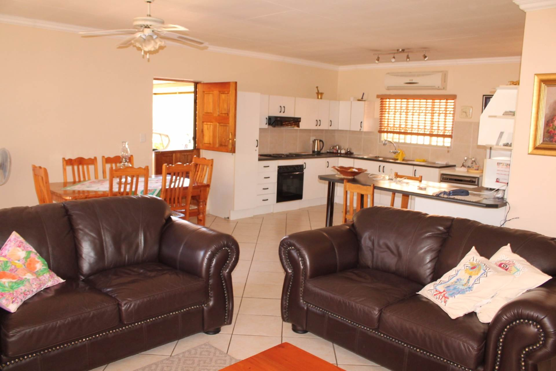Theresapark property for sale. Ref No: 13546632. Picture no 4
