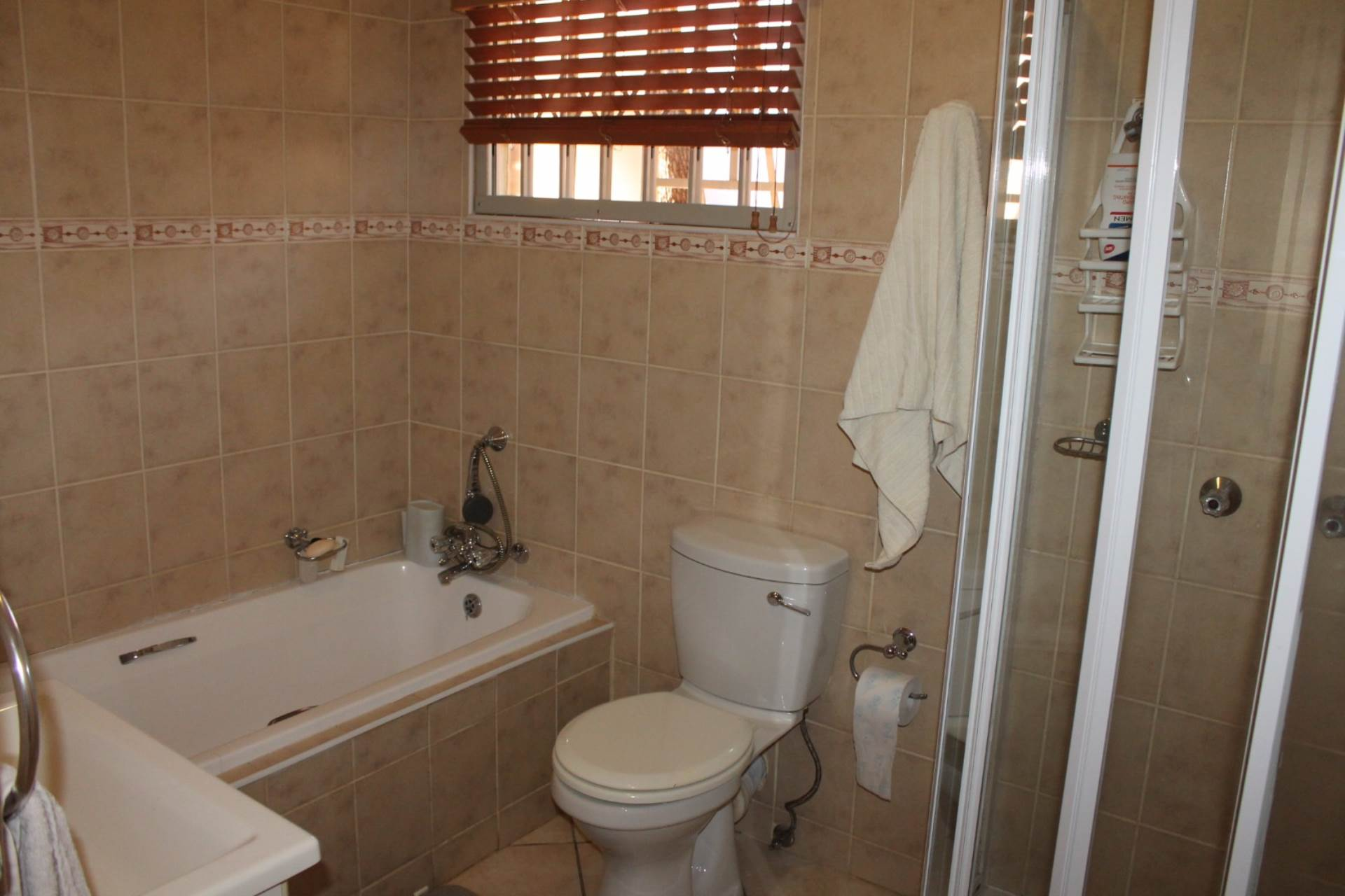 Theresapark property for sale. Ref No: 13546632. Picture no 10