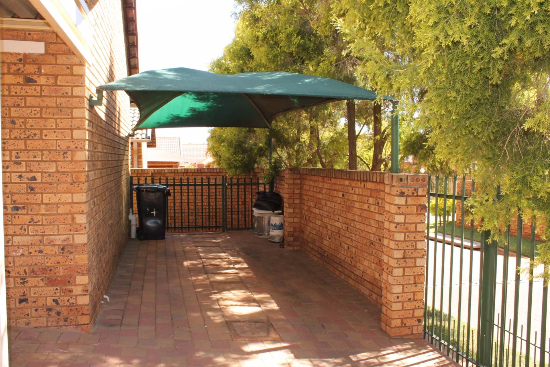 Theresapark property for sale. Ref No: 13546632. Picture no 2