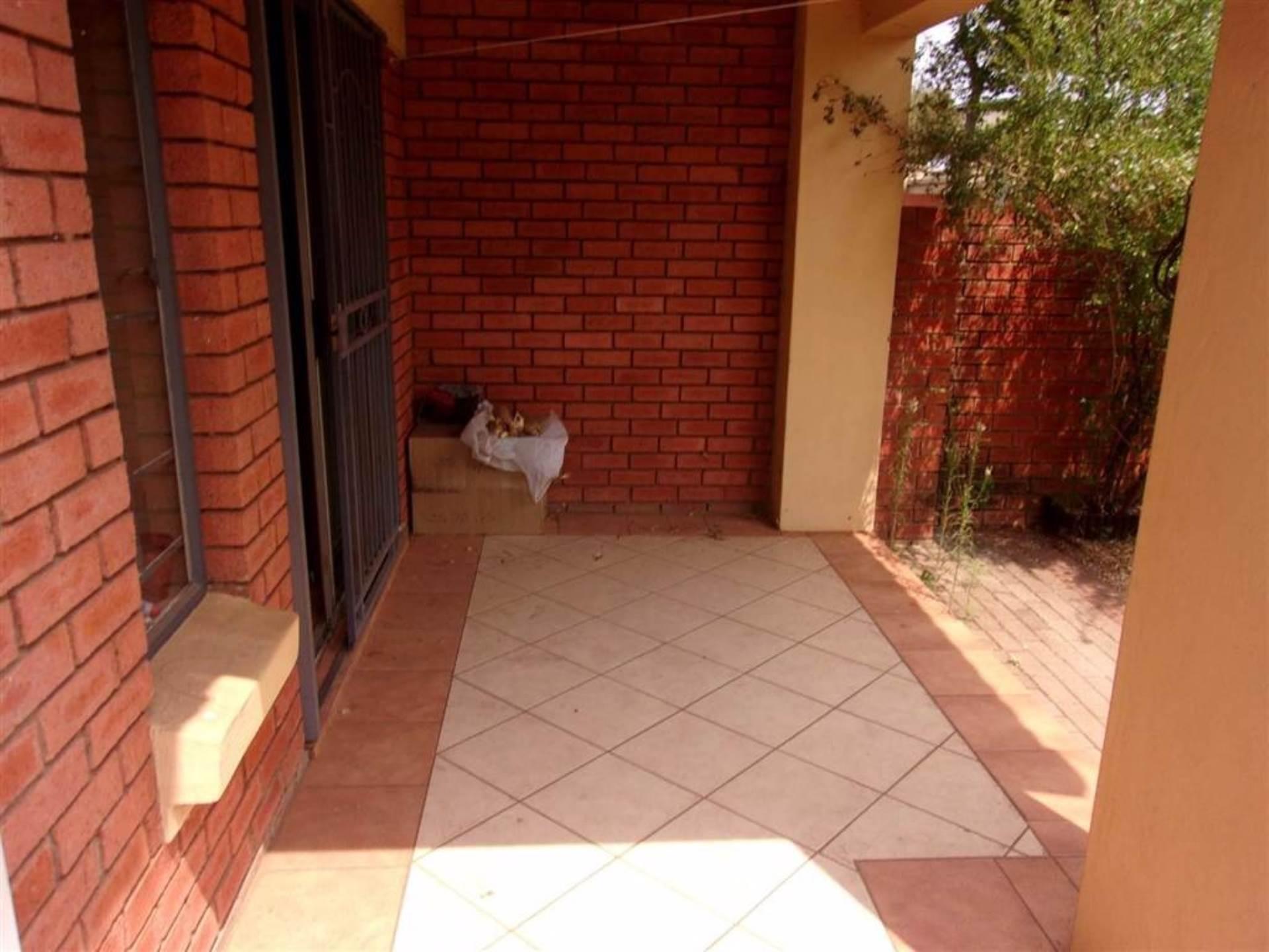 Eco Park property for sale. Ref No: 13546641. Picture no 12
