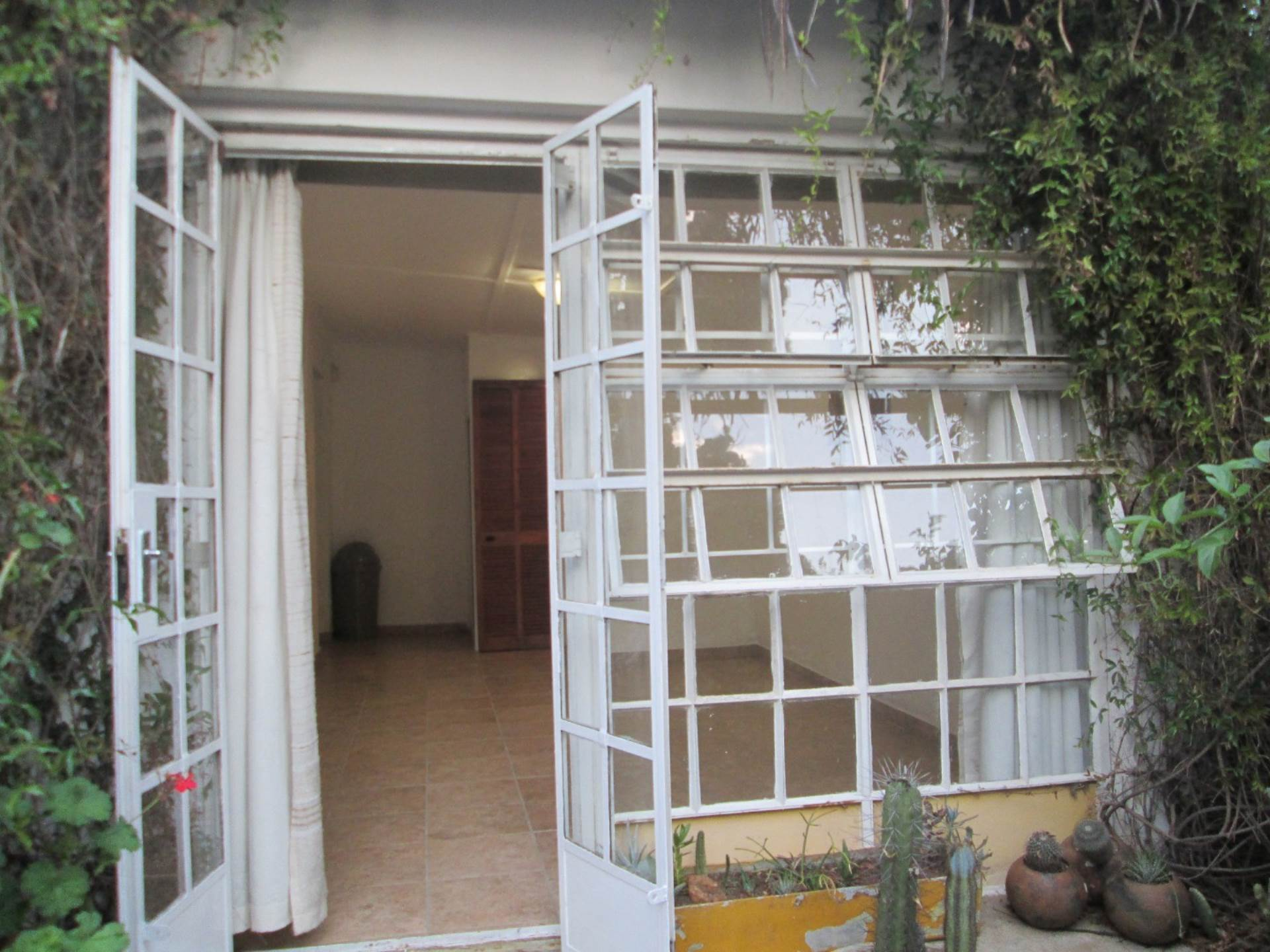 1 BedroomApartment To Rent In Lombardy East