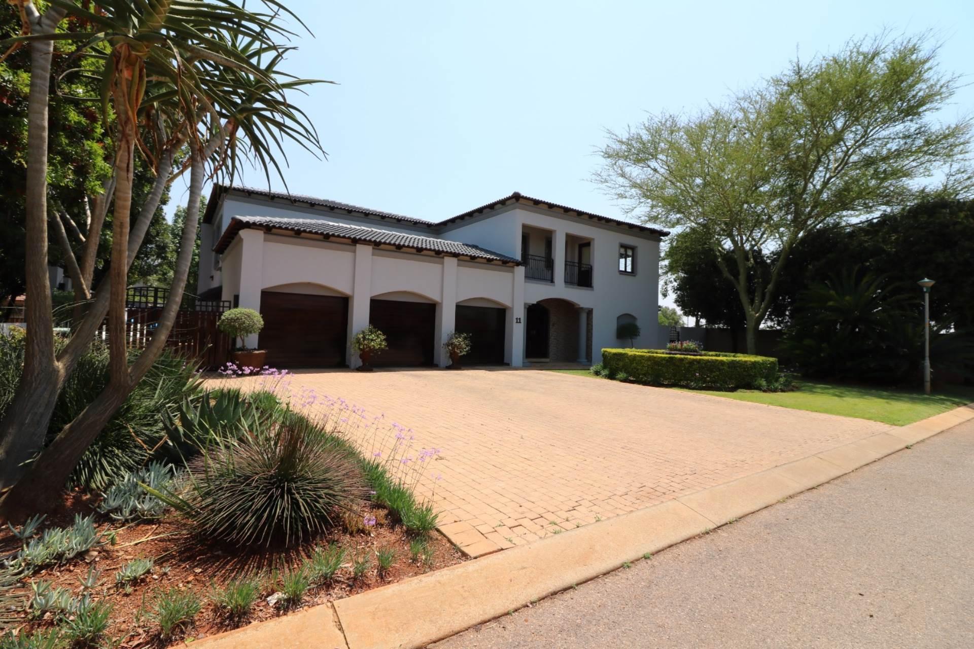 Woodhill Golf Estate property for sale. Ref No: 13547148. Picture no 25