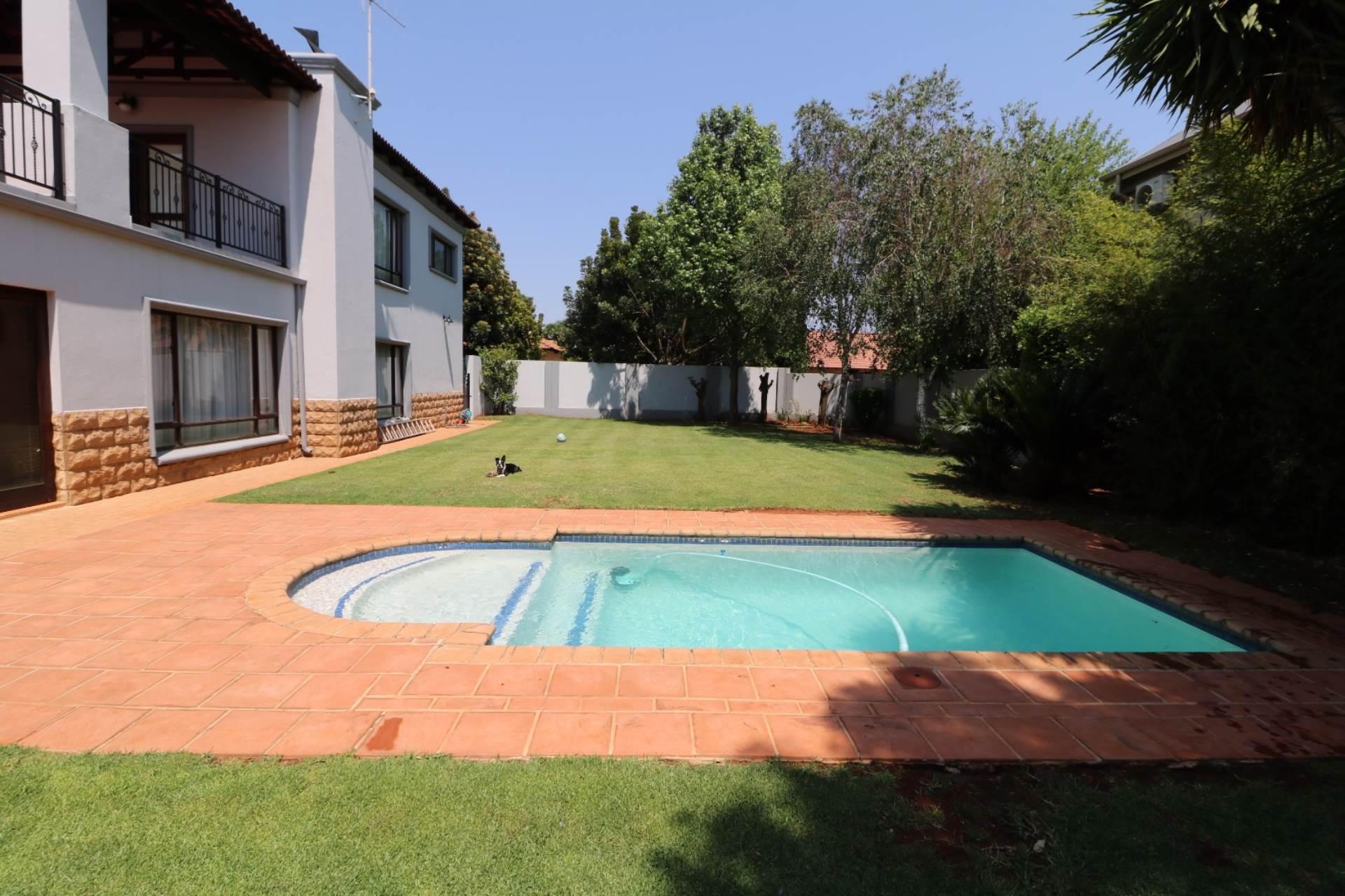 Woodhill Golf Estate property for sale. Ref No: 13547148. Picture no 19