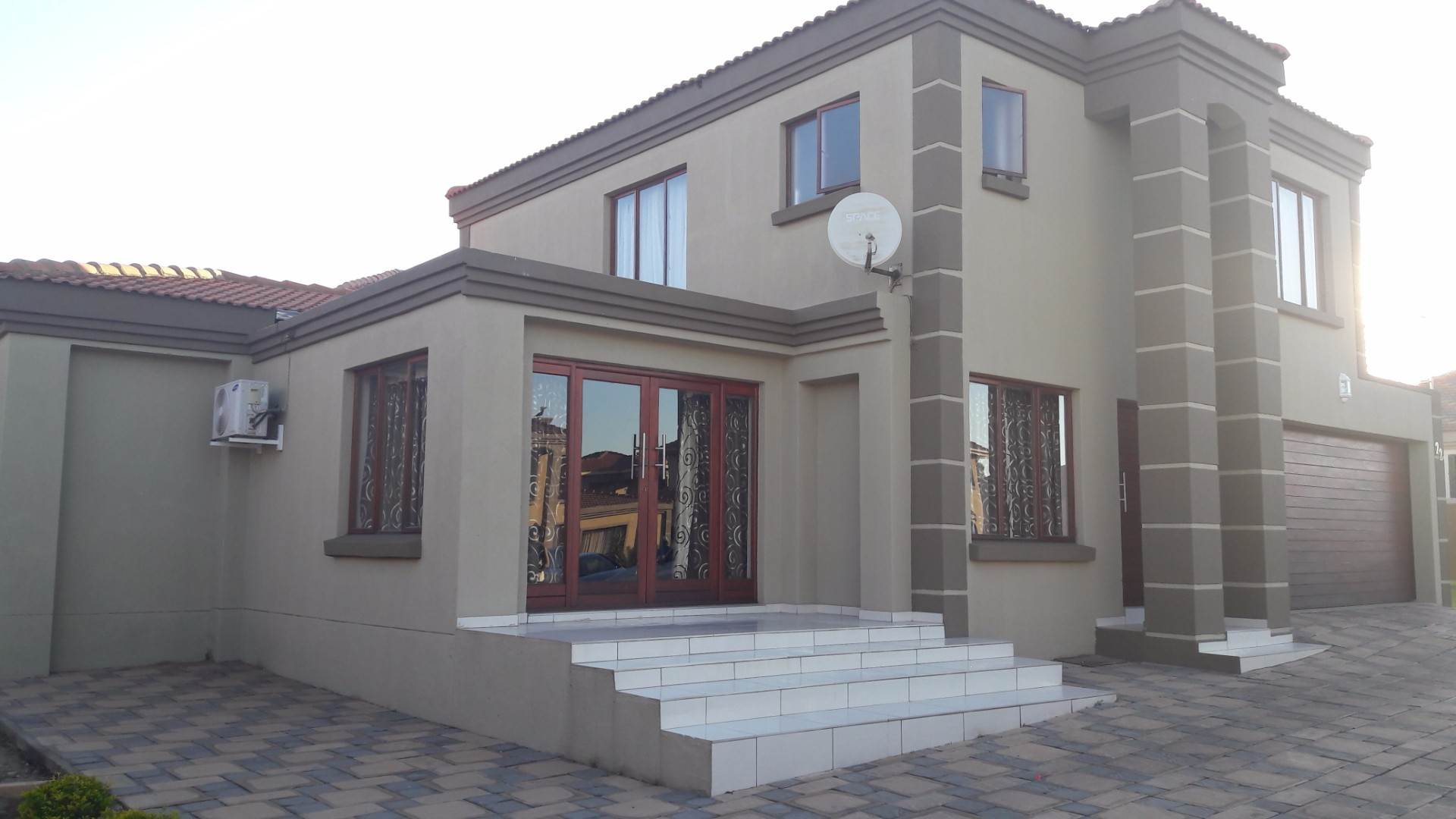 4 BedroomTownhouse For Sale In Reyno Ridge