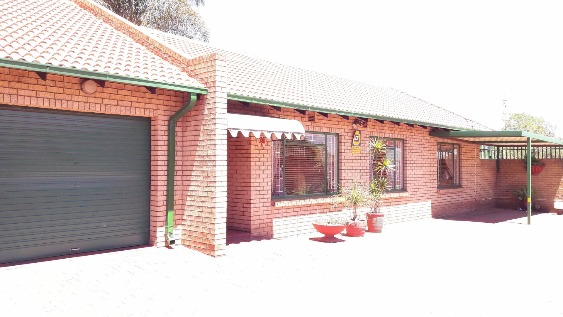 3 BedroomTownhouse For Sale In Del Judor