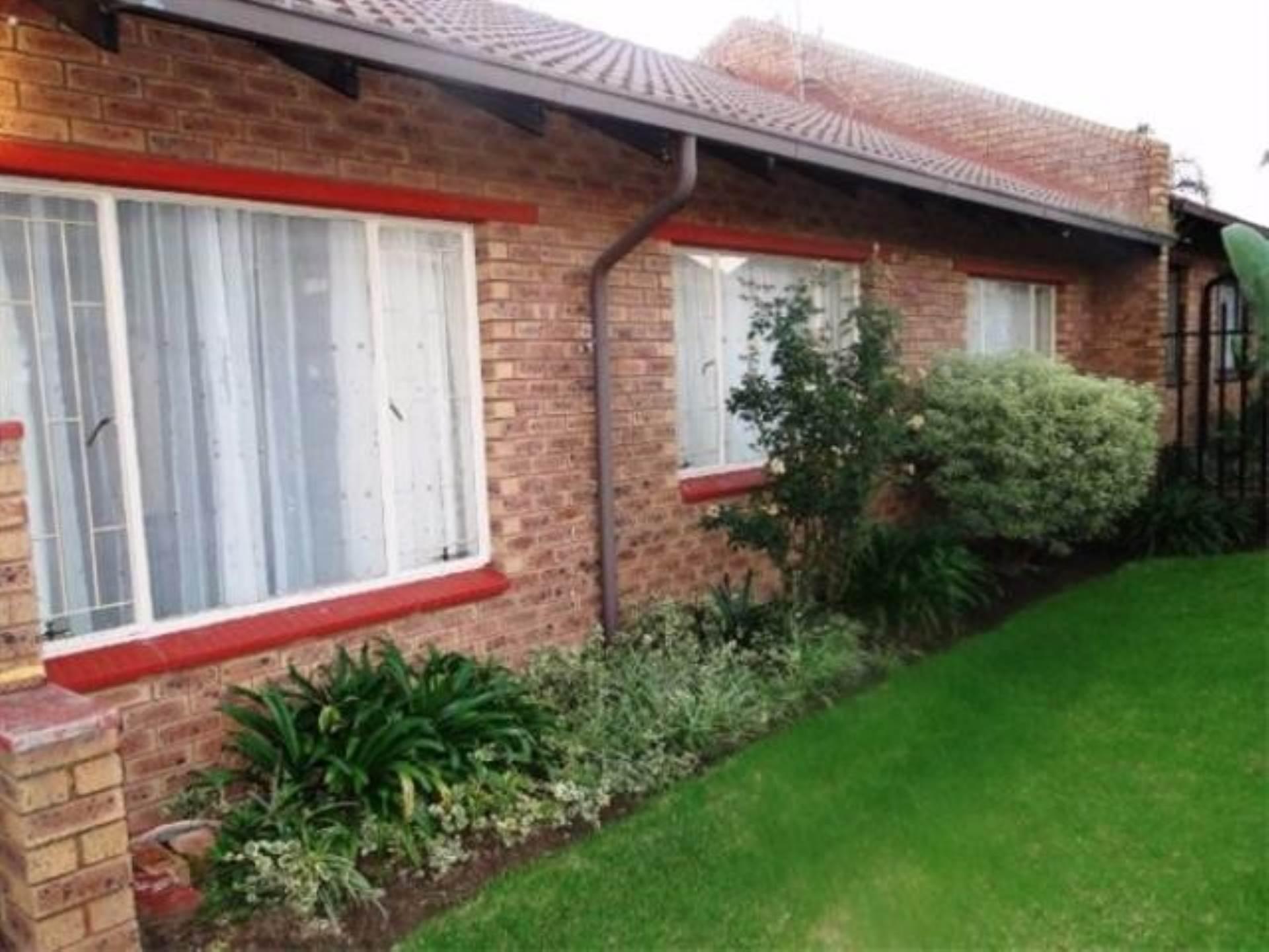 3 BedroomTownhouse To Rent In Del Judor
