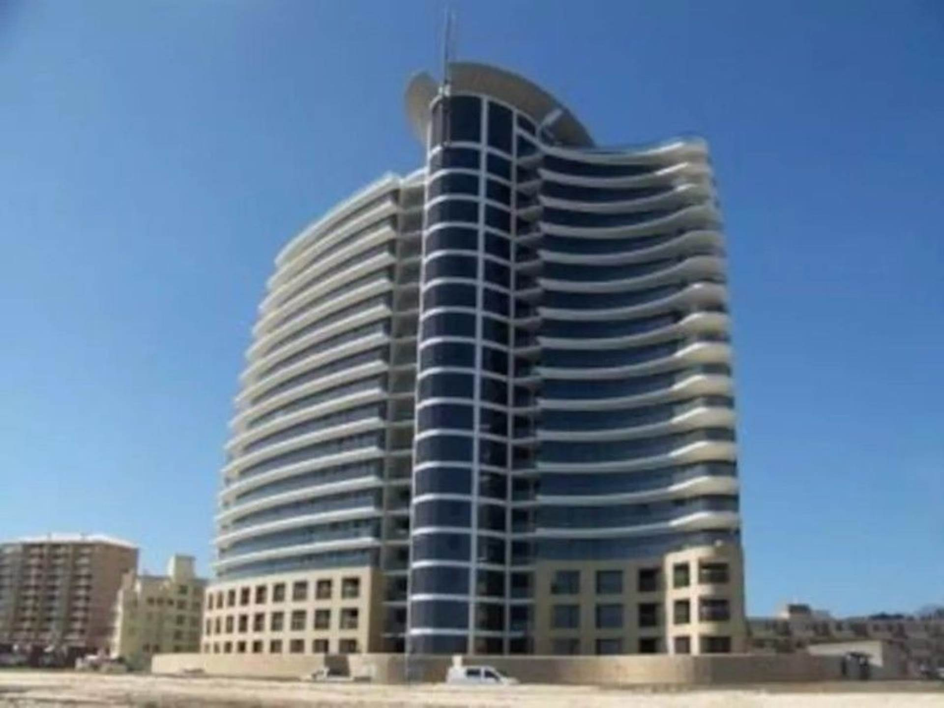 2 BedroomApartment For Sale In Beach Road