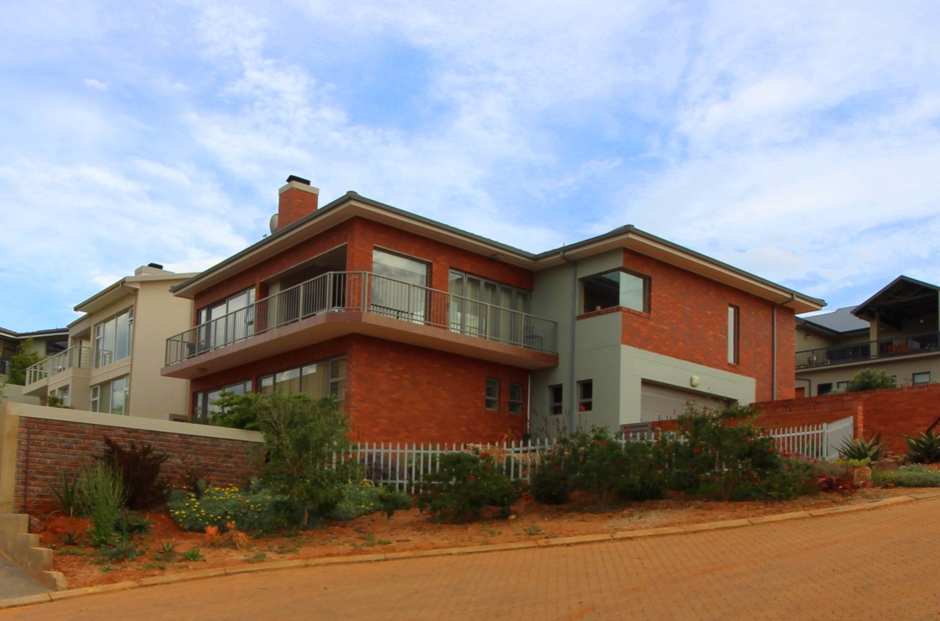 4 BedroomHouse For Sale In Monte Christo