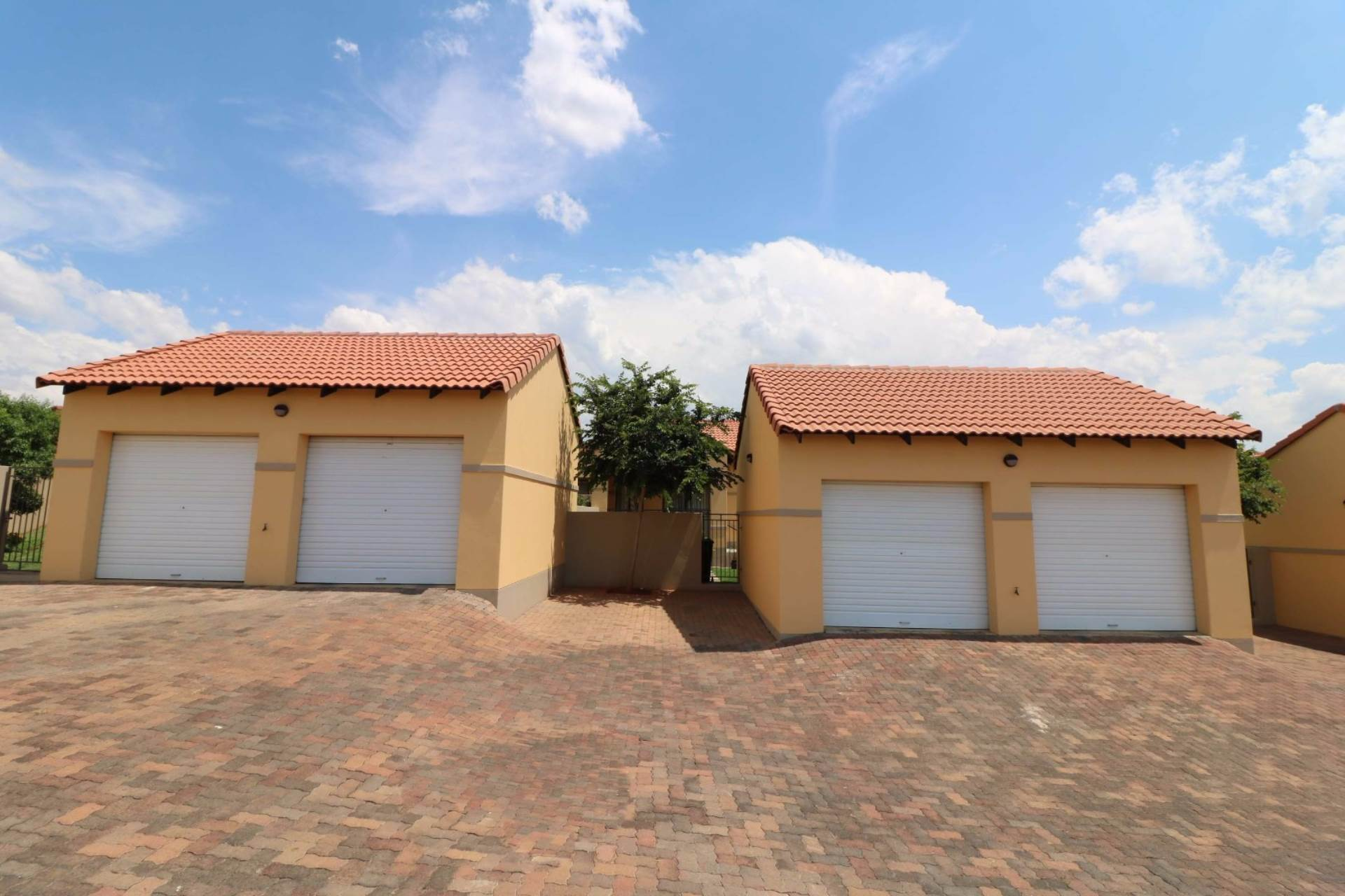 Mooikloof Ridge for sale property. Ref No: 13548648. Picture no 12